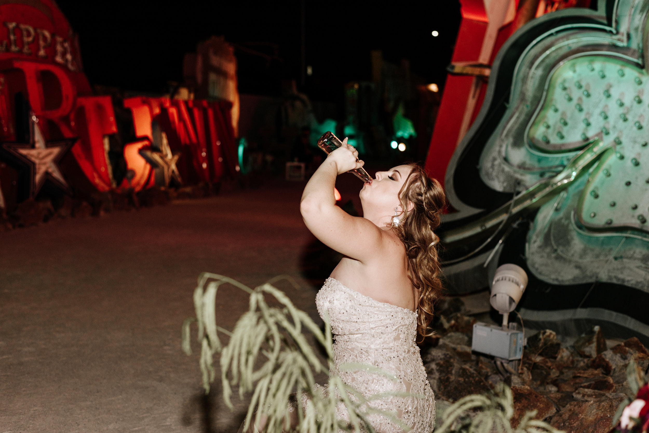 Neon-Museum-Wedding-Las-Vegas-Nevada-Golden-Nugget-Photography-by-V-Ally-and-Dan-7080.jpg