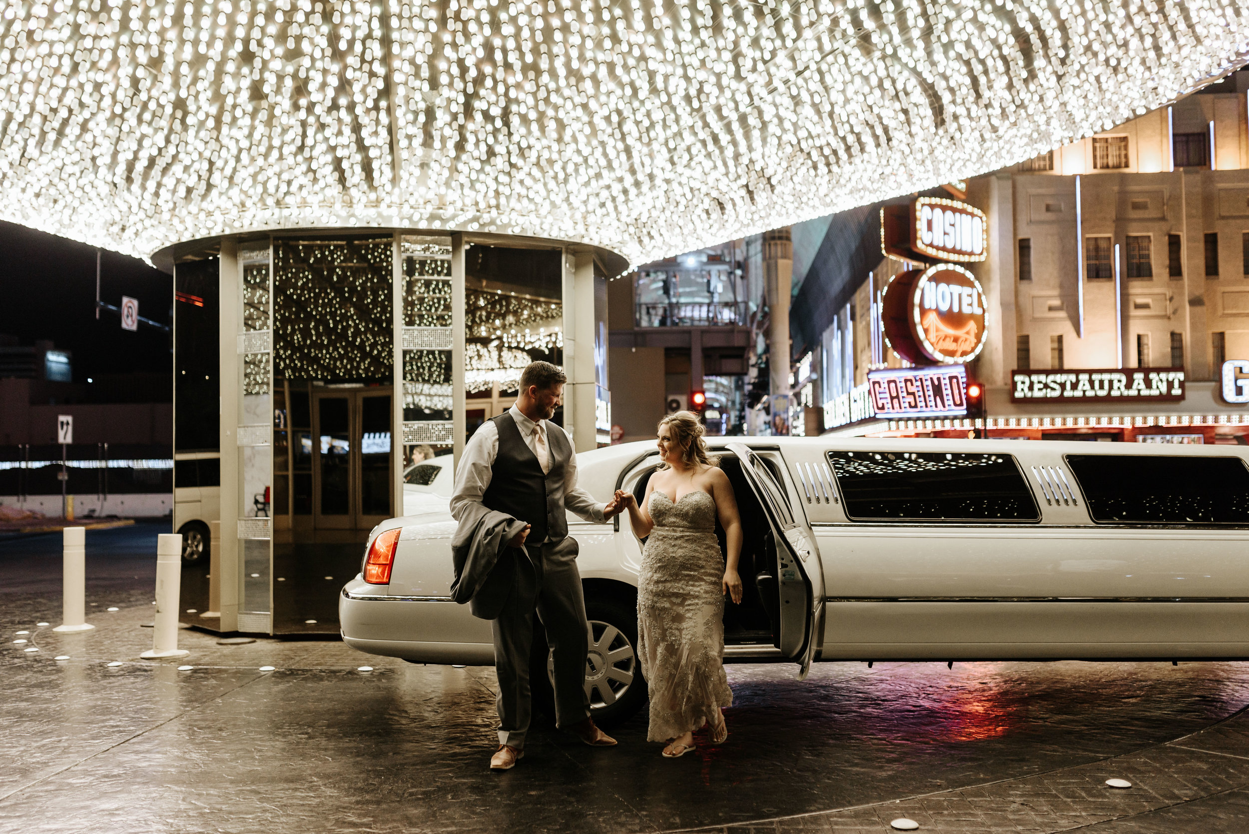 Neon-Museum-Wedding-Las-Vegas-Nevada-Golden-Nugget-Photography-by-V-Ally-and-Dan-3426.jpg
