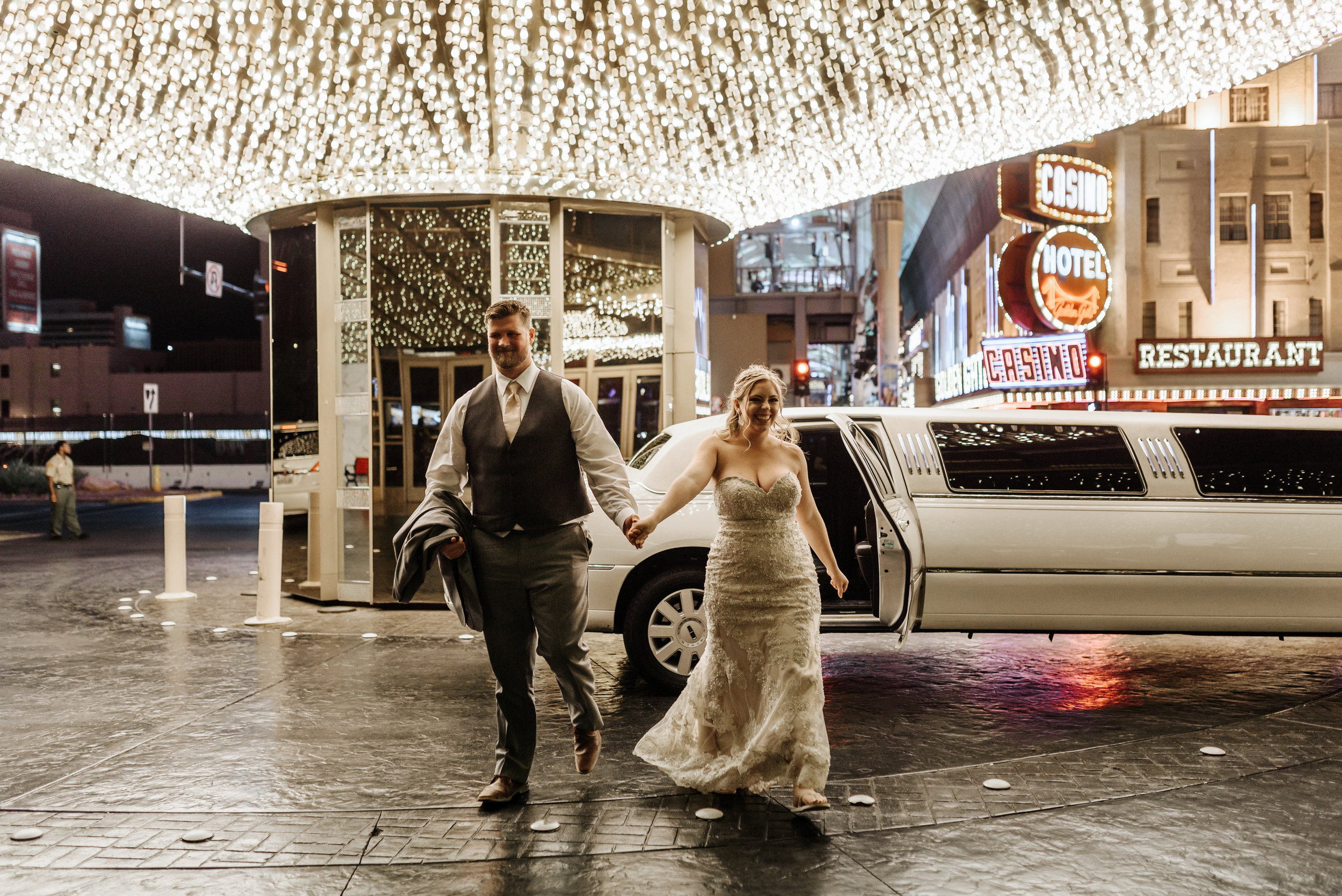 Neon-Museum-Wedding-Las-Vegas-Nevada-Golden-Nugget-Photography-by-V-Ally-and-Dan-3429.jpg