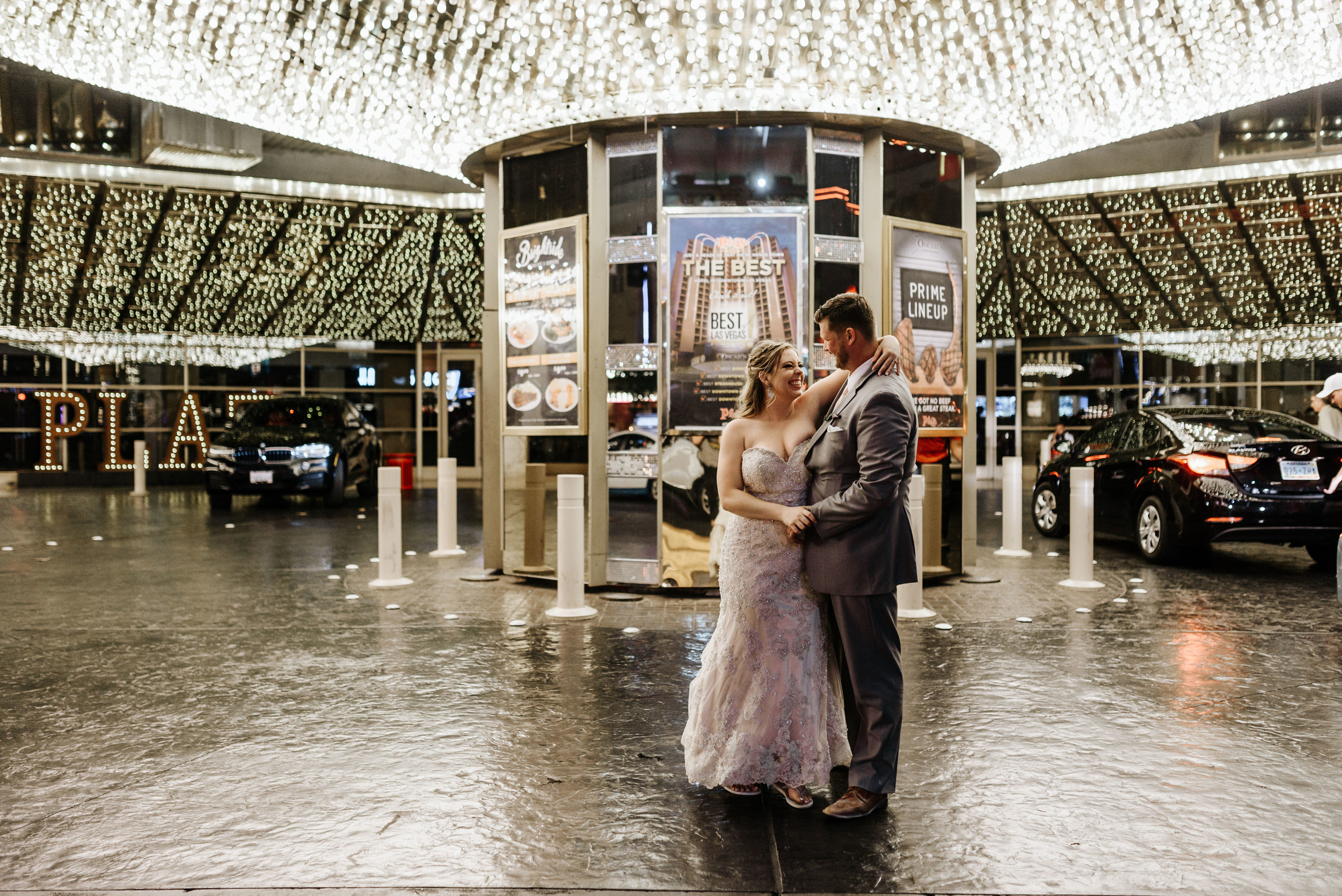 Neon-Museum-Wedding-Las-Vegas-Nevada-Golden-Nugget-Photography-by-V-Ally-and-Dan-3455.jpg