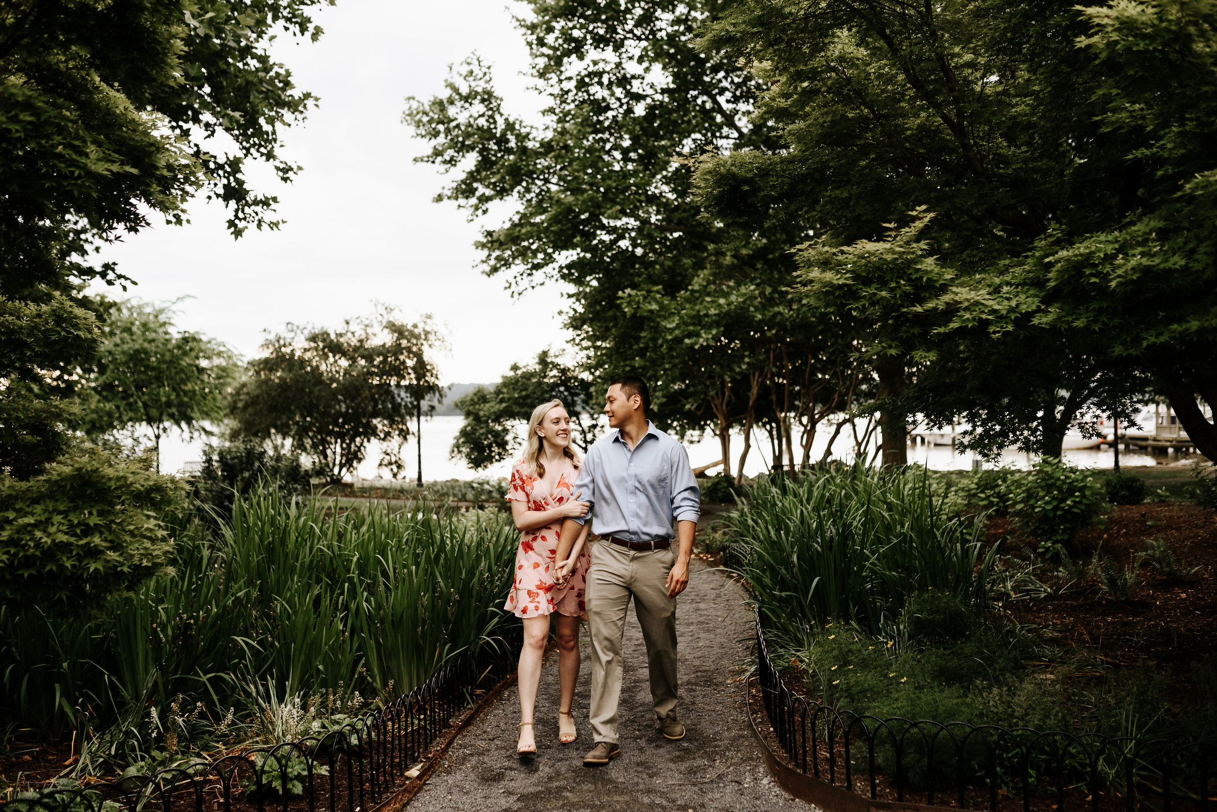 Bella_Alec_Old_Town_Alexandria_Engagement_Session_Photography_by_V_5689.jpg
