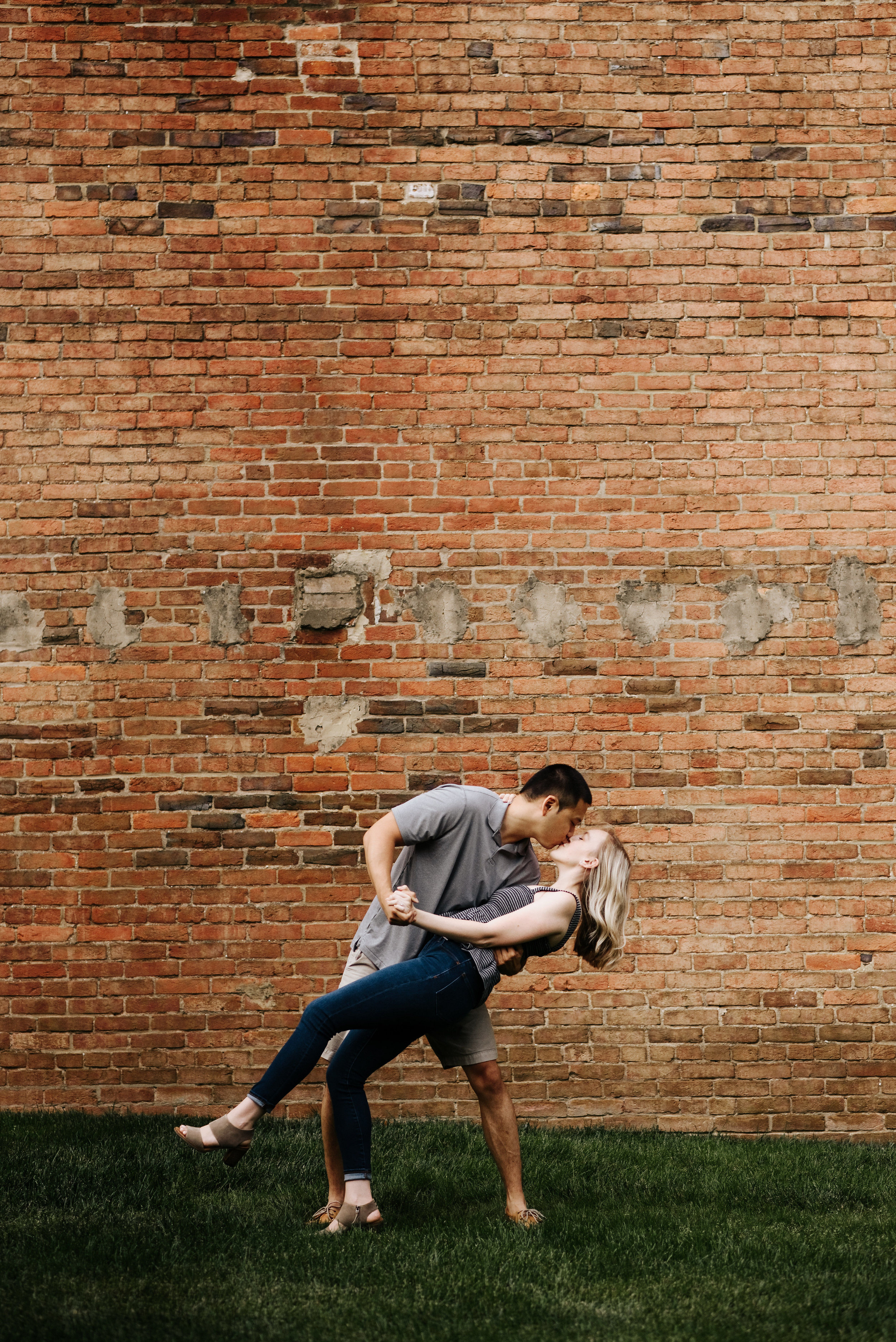 Bella_Alec_Old_Town_Alexandria_Engagement_Session_Photography_by_V_5844.jpg