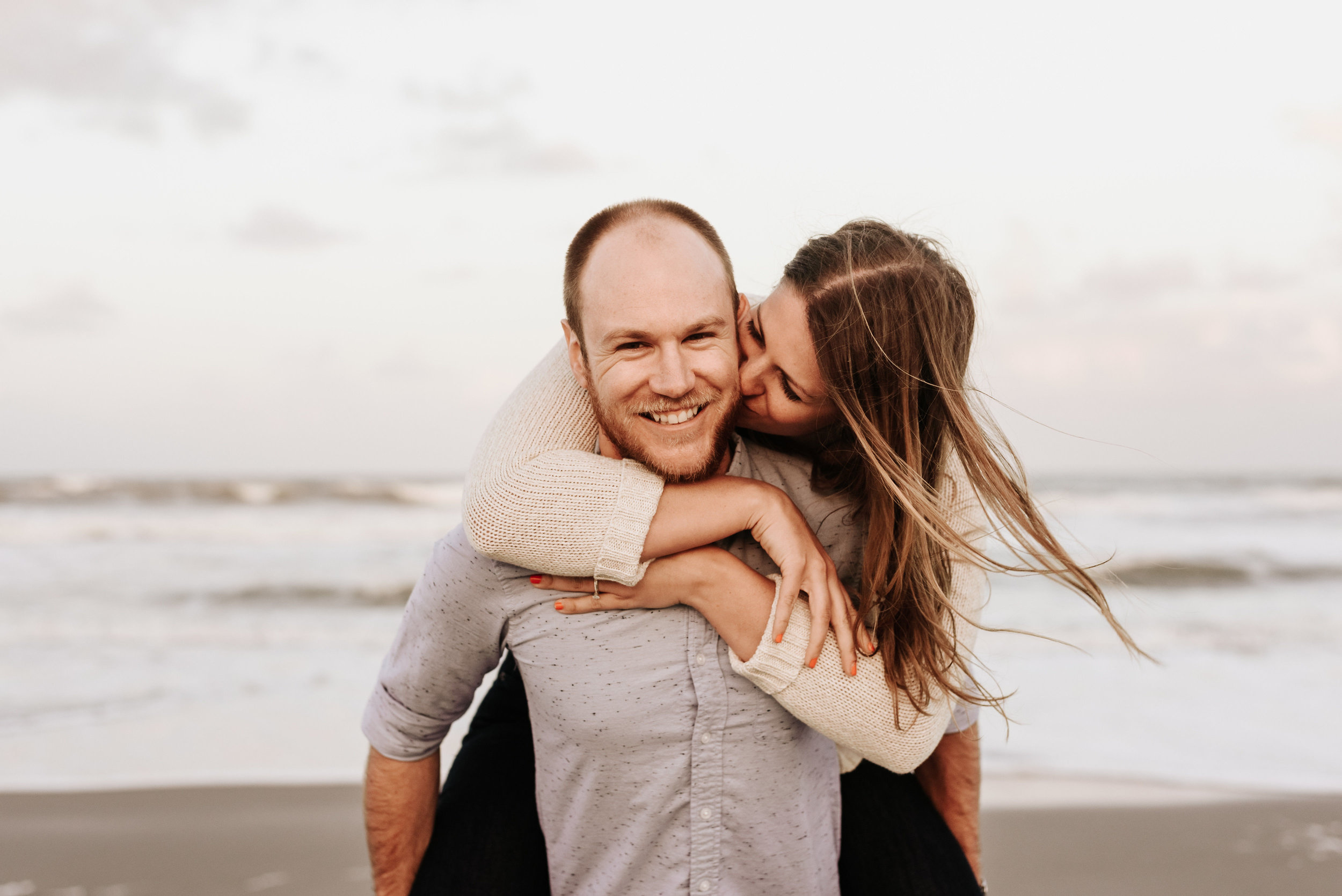 Courtney_Luke_Wedding_Engagement_Session_Cocoa_Beach_Florida_Photography_by_V_4846.jpg
