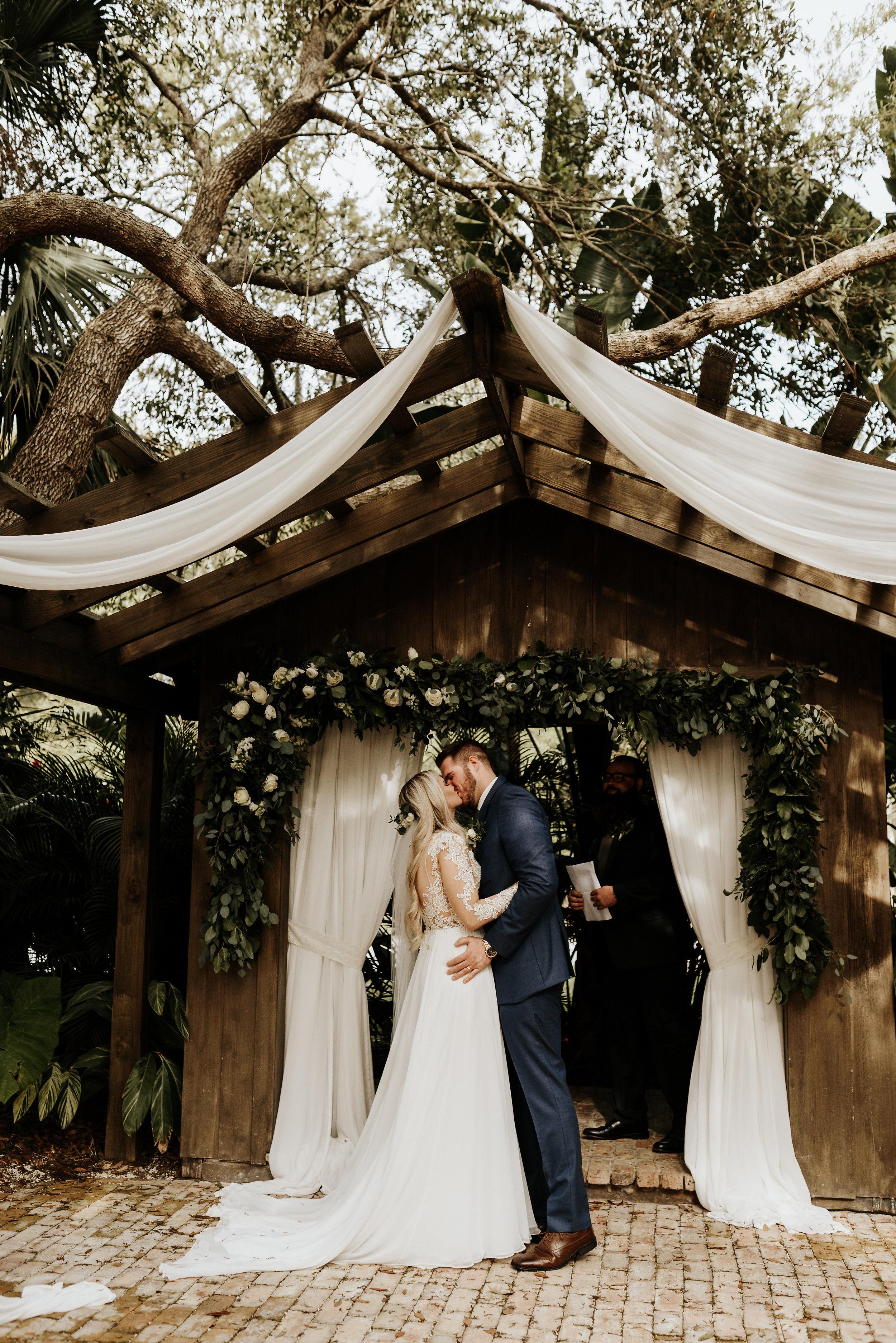 Mikenzi_Brad_Wedding_The_Delamater_House_New_Smyrna_Beach_Florida_Photography_by_V_0220.jpg