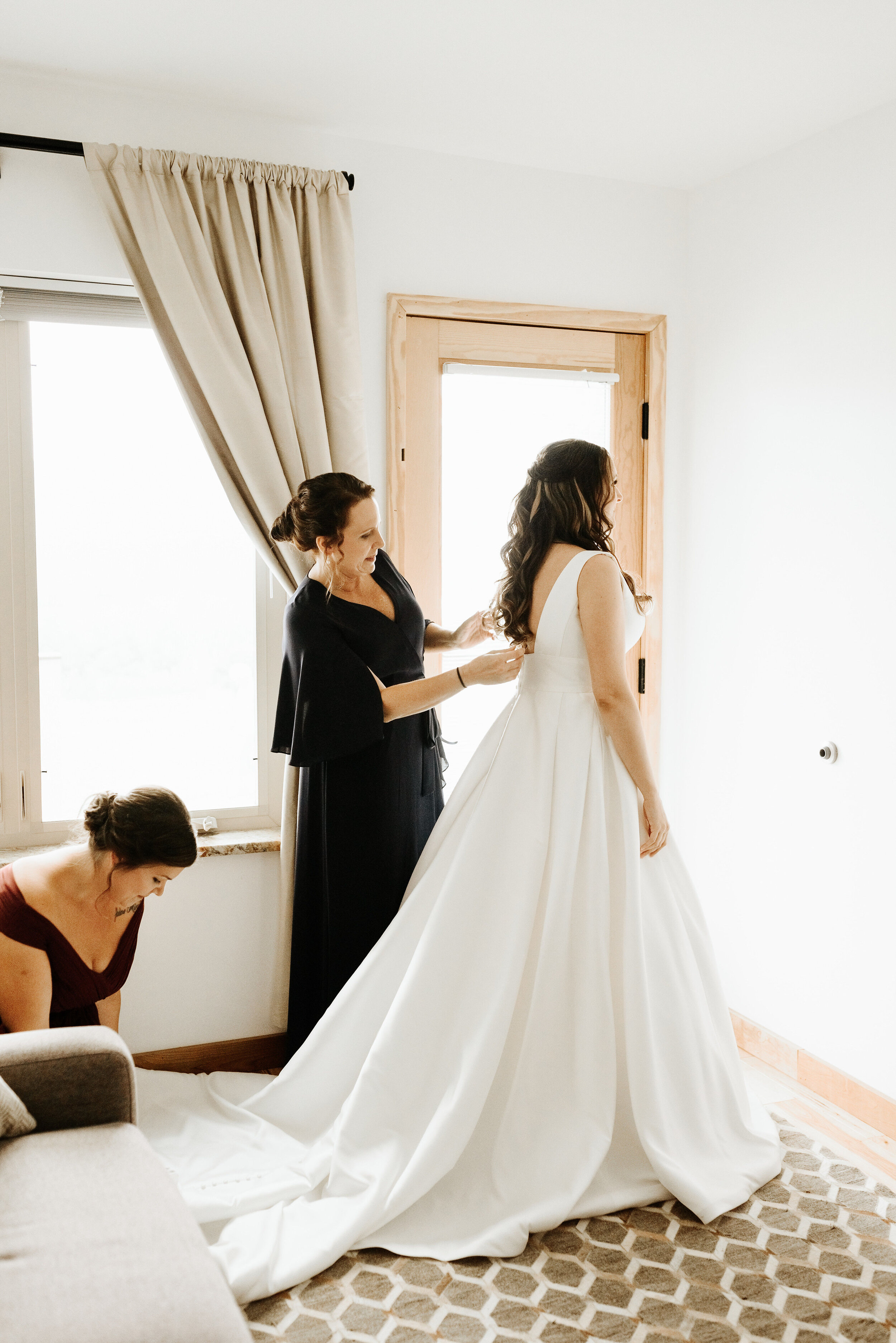 Allison_Nolan_Moss_Vineyards_Wedding_Charlottesville_Virginia_Photography_by_V_15.jpg