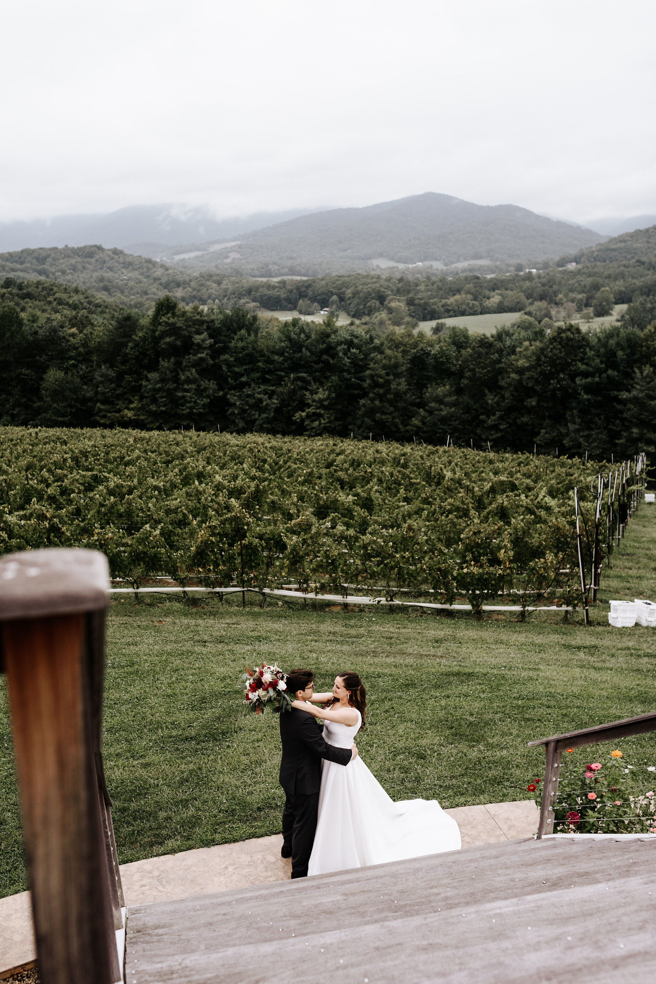 Allison_Nolan_Moss_Vineyards_Wedding_Charlottesville_Virginia_Photography_by_V_30.jpg