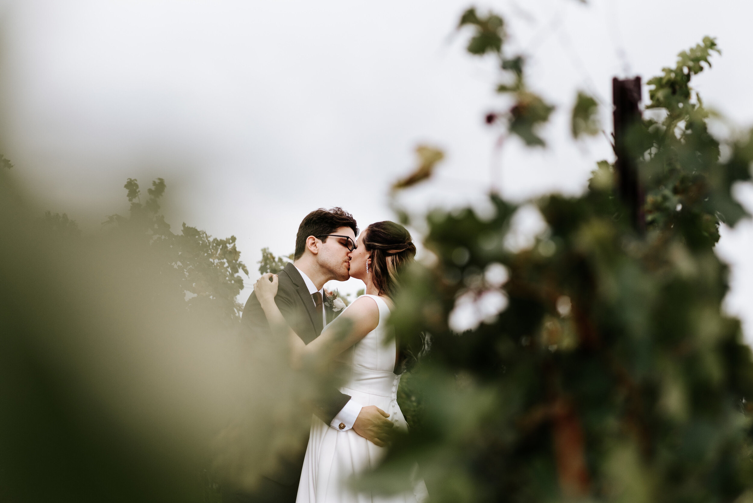 Allison_Nolan_Moss_Vineyards_Wedding_Charlottesville_Virginia_Photography_by_V_34.jpg