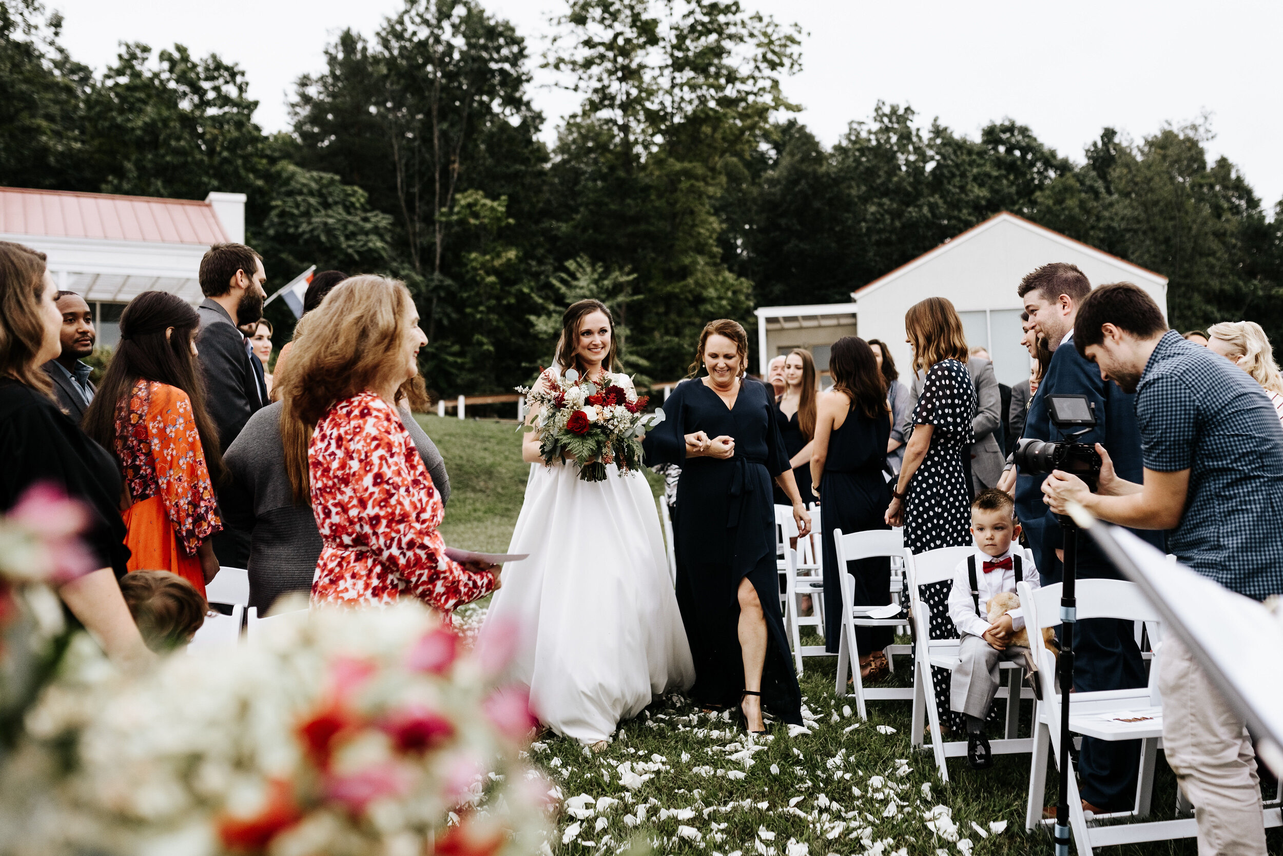 Allison_Nolan_Moss_Vineyards_Wedding_Charlottesville_Virginia_Photography_by_V_42.jpg