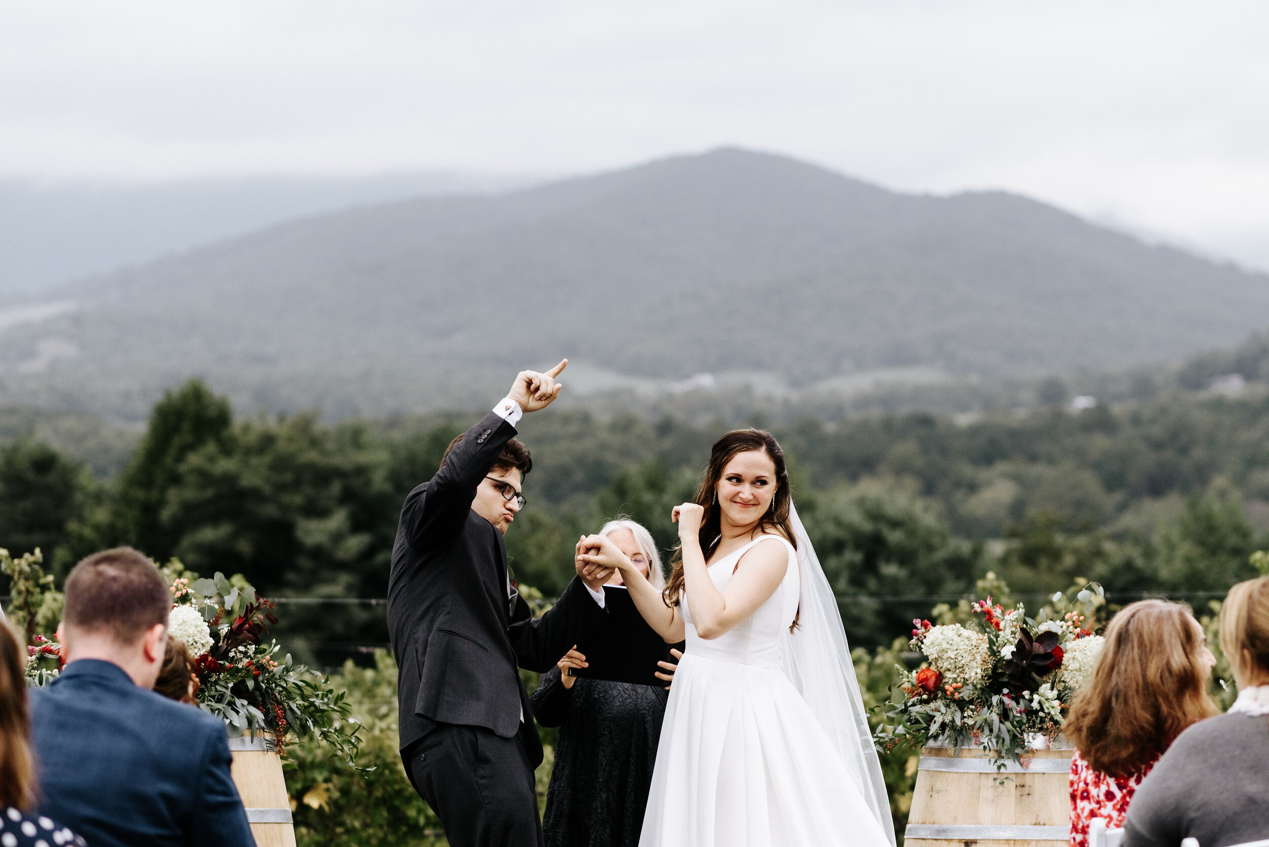 Allison_Nolan_Moss_Vineyards_Wedding_Charlottesville_Virginia_Photography_by_V_45.jpg