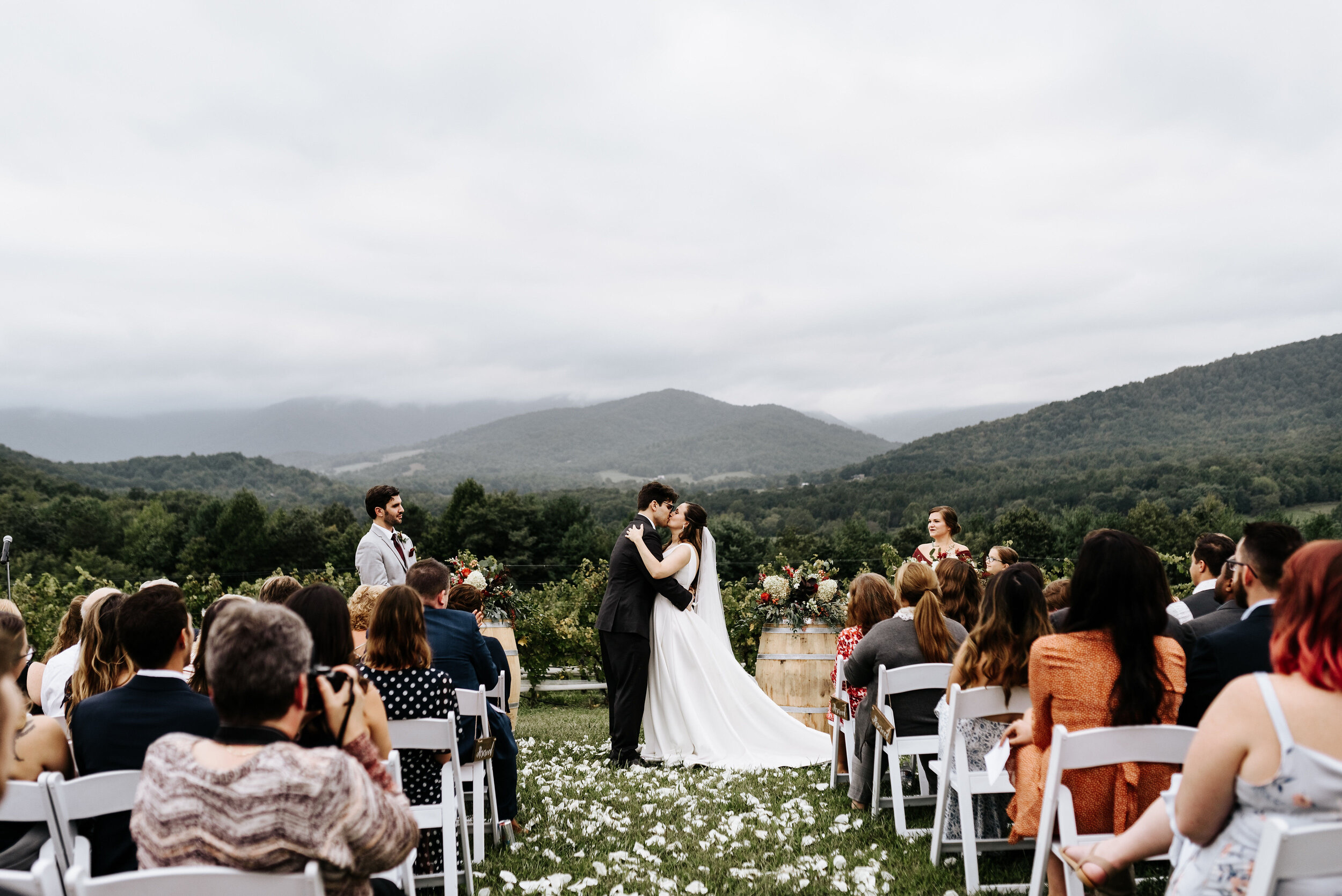 Allison_Nolan_Moss_Vineyards_Wedding_Charlottesville_Virginia_Photography_by_V_50.jpg