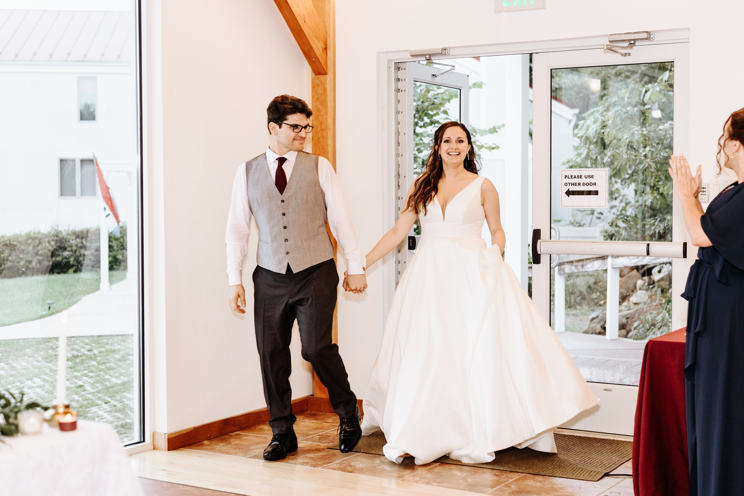 Allison_Nolan_Moss_Vineyards_Wedding_Charlottesville_Virginia_Photography_by_V_68.jpg