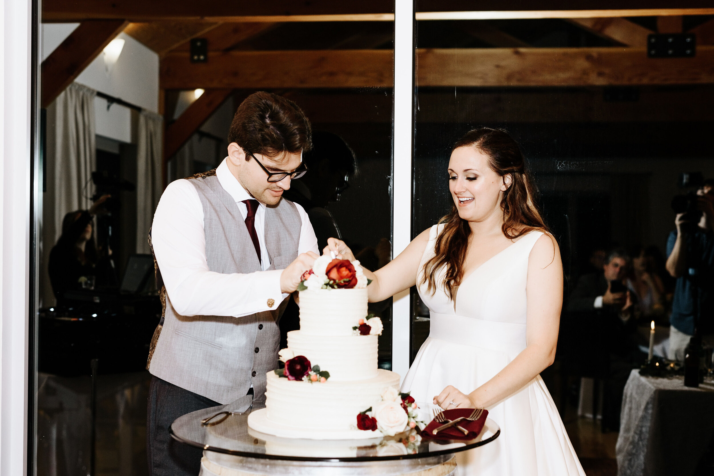 Allison_Nolan_Moss_Vineyards_Wedding_Charlottesville_Virginia_Photography_by_V_79.jpg