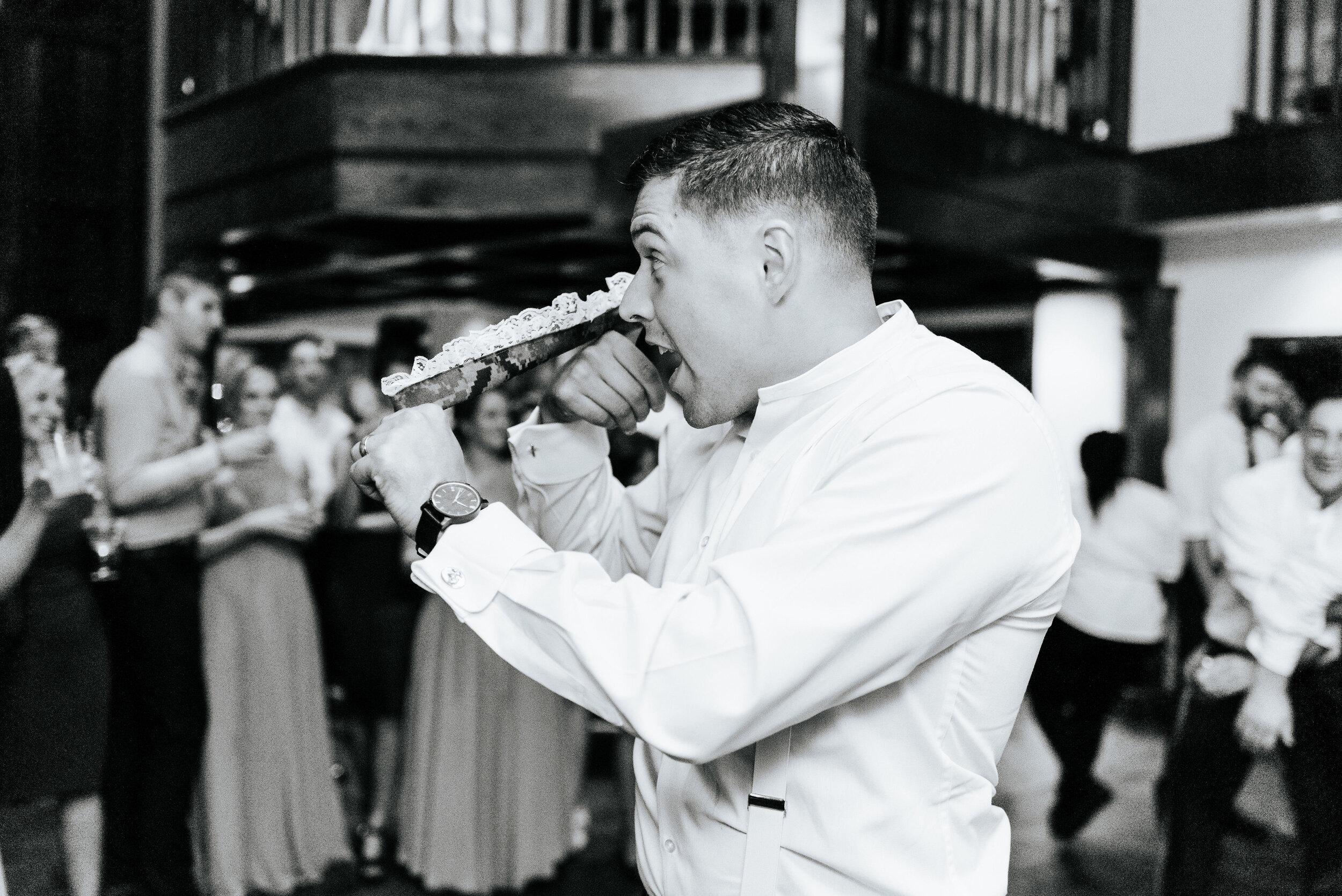 Emily_Mike_Wedding_Celebrations_at_the_Reservoir_Pool_Pavilion_Richmond_Virginia_Wedding_Photographer_Photography_by_V_112.jpg