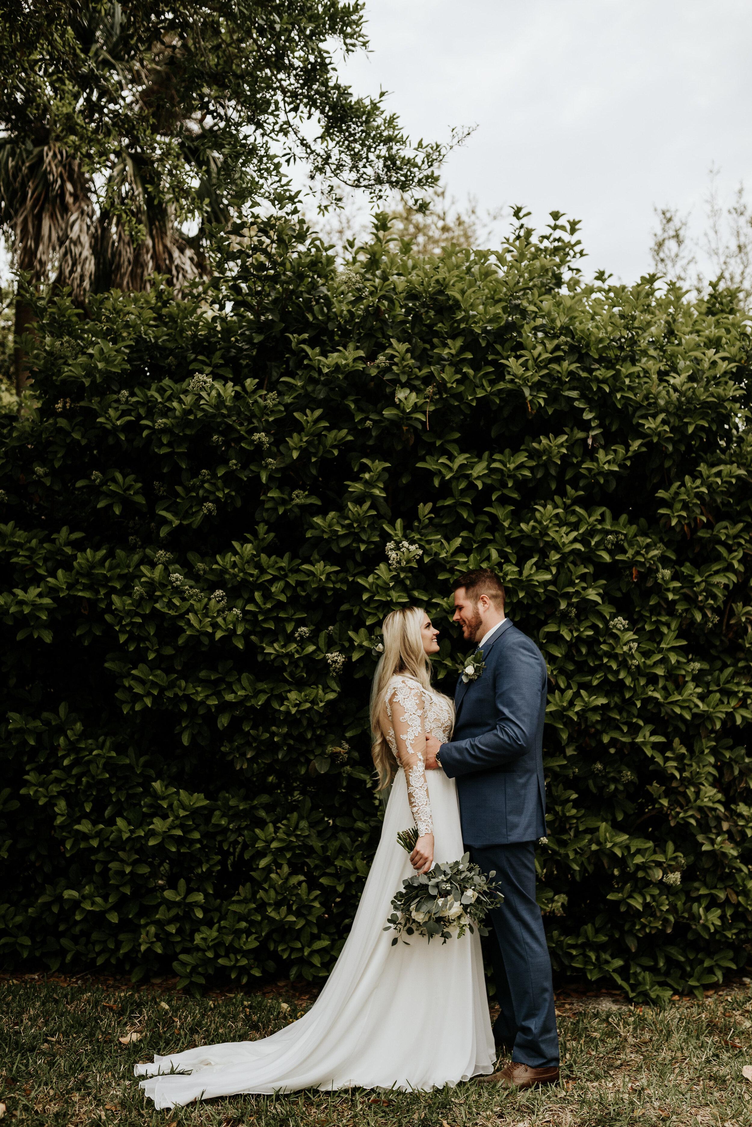 Mikenzi_Brad_Wedding_The_Delamater_House_New_Smyrna_Beach_Florida_Photography_by_V_0663.jpg