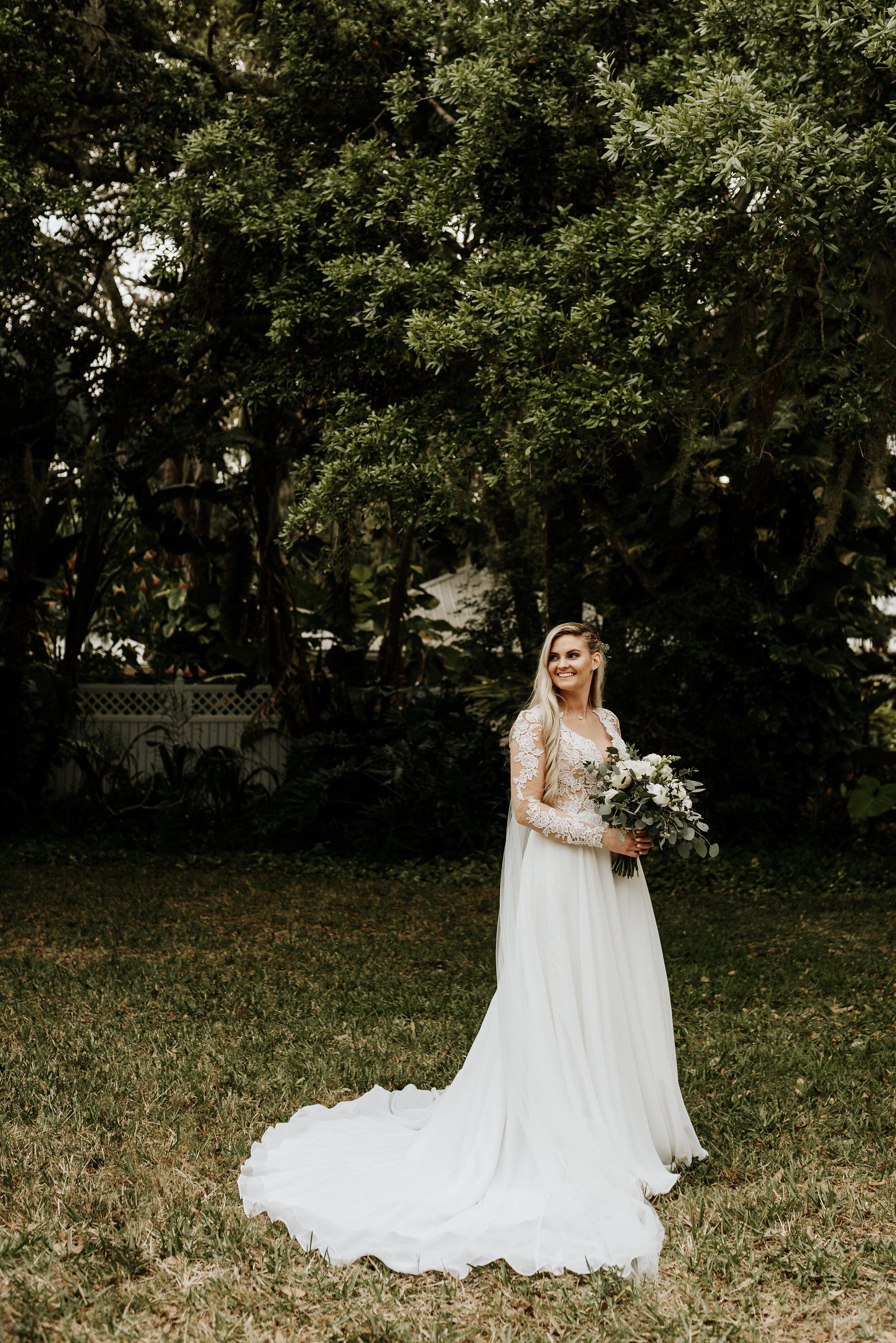 Mikenzi_Brad_Wedding_The_Delamater_House_New_Smyrna_Beach_Florida_Photography_by_V_0702.jpg