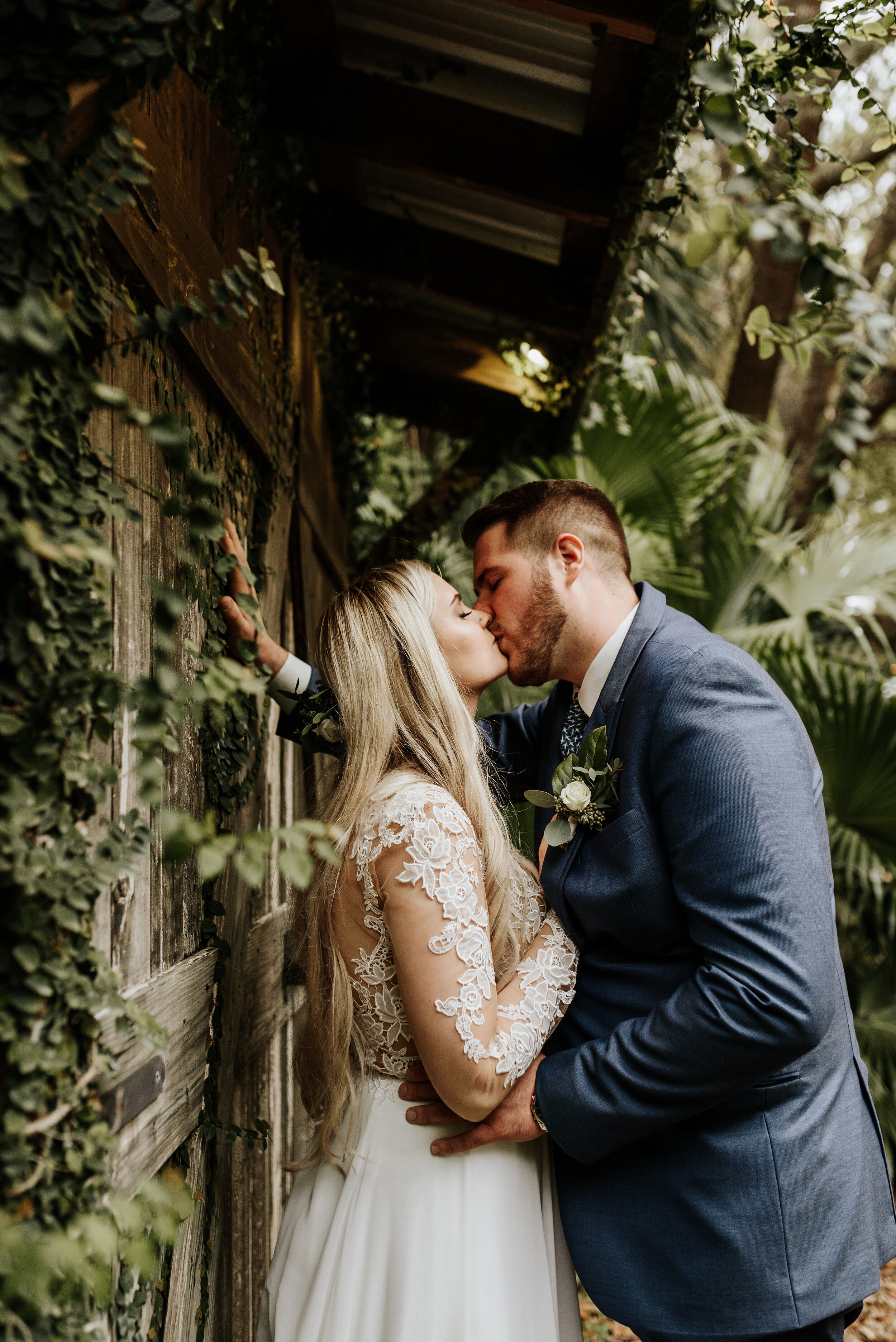 Mikenzi_Brad_Wedding_The_Delamater_House_New_Smyrna_Beach_Florida_Photography_by_V_0873.jpg