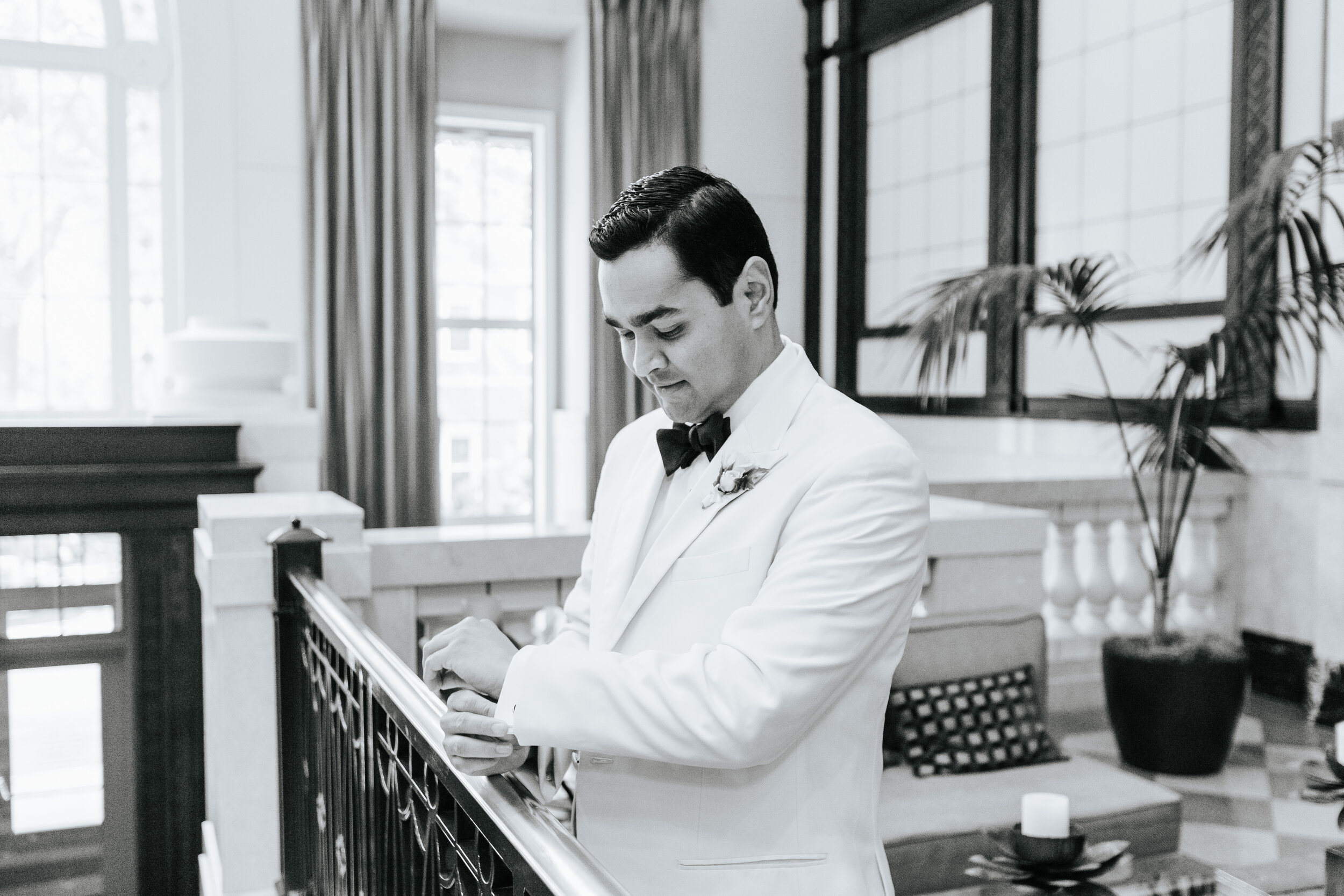 Cassie-Mrunal-Wedding-Quirk-Hotel-John-Marshall-Ballrooms-Richmond-Virginia-Photography-by-V-33.jpg