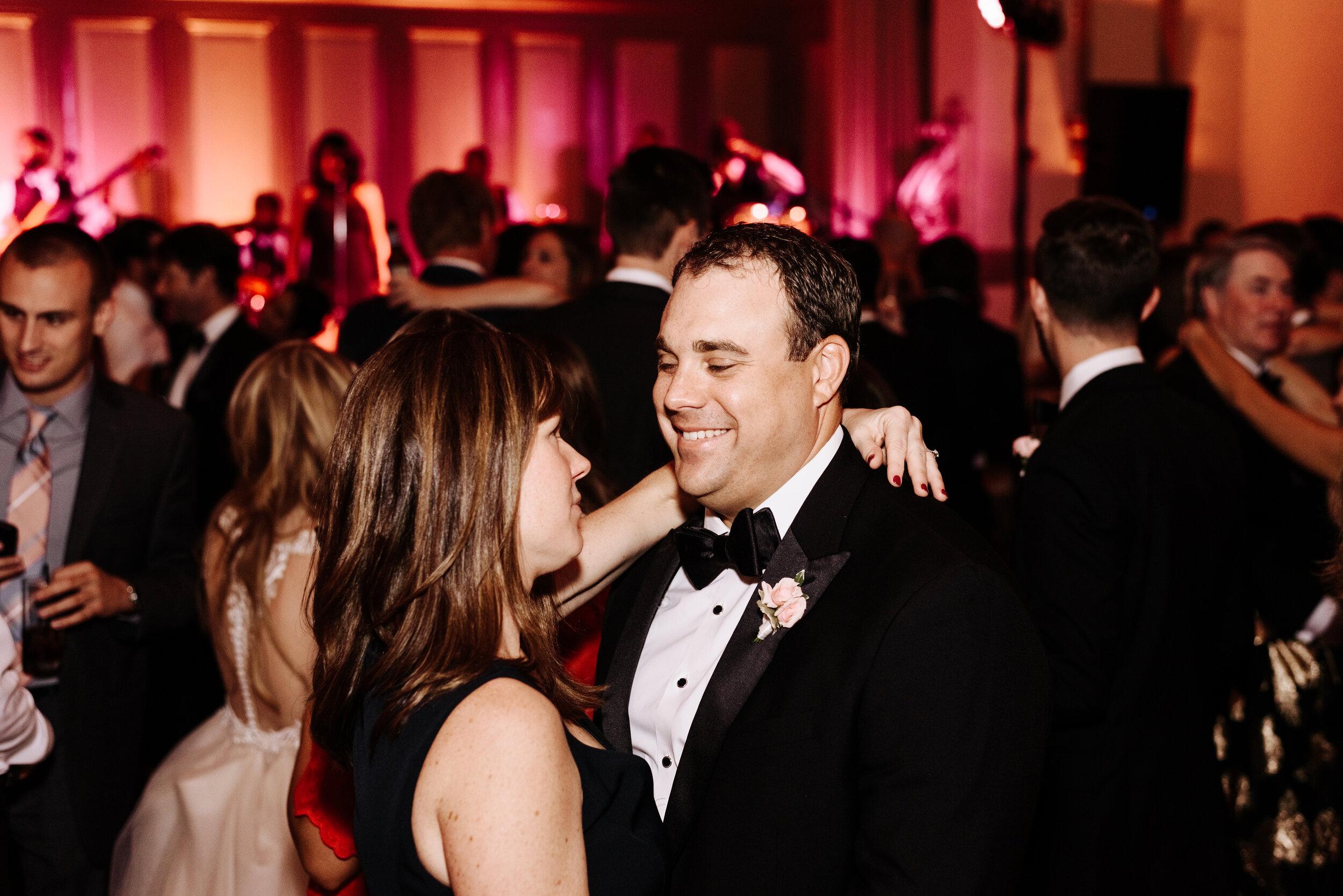 Cassie-Mrunal-Wedding-Quirk-Hotel-John-Marshall-Ballrooms-Richmond-Virginia-Photography-by-V-112.jpg