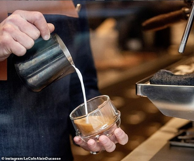 10623660-0-The_coffee_has_notes_of_bergamot_orange_cocoa_nibs_grape_red_ber-m-24_1551824224402.jpg