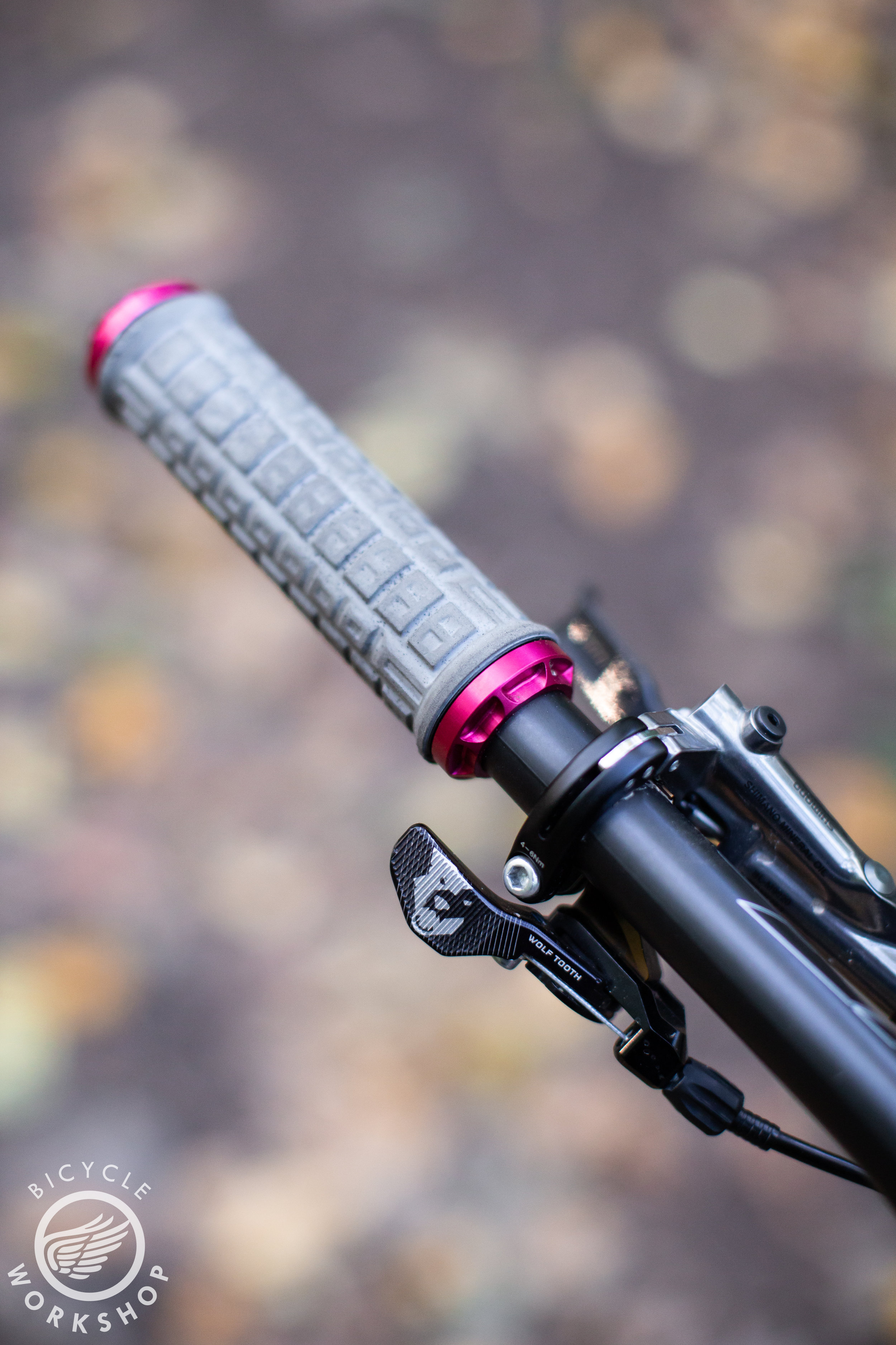 Wolftooth light action dropper lever
