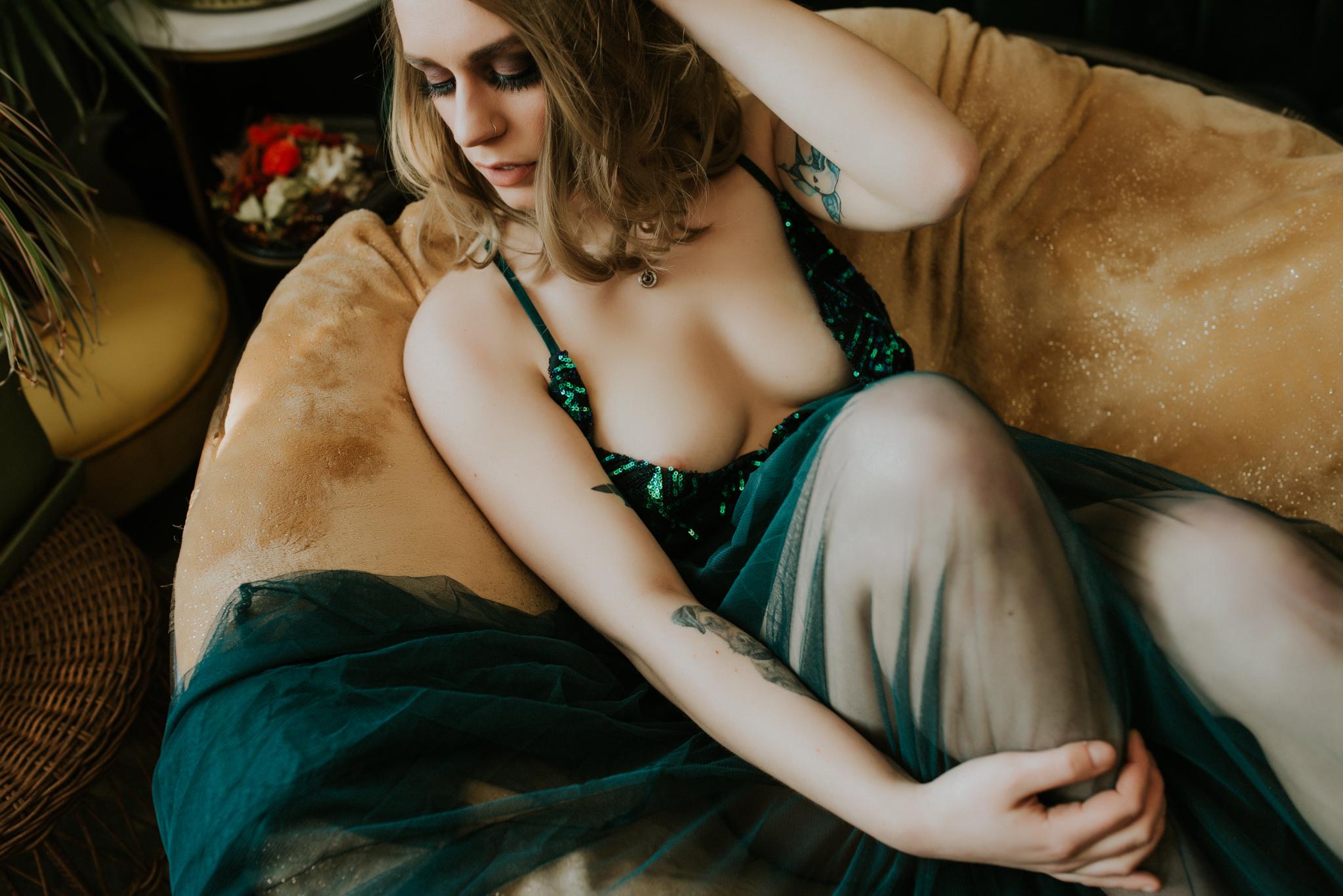 Boudoir, Calgary Photographer, Artist Shannon Smith, Empowerment, Portrait Photography, Body Positive Boudoir