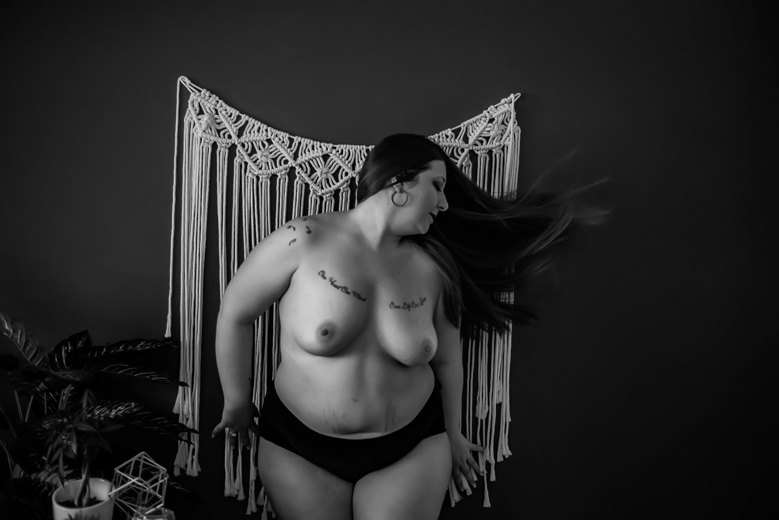 Calgary Boudoir Photographer, Artist Shannon Smith, Plus Size Boudoir, Nude, Implied Nude, Topless, Sexy photos, Body Positive