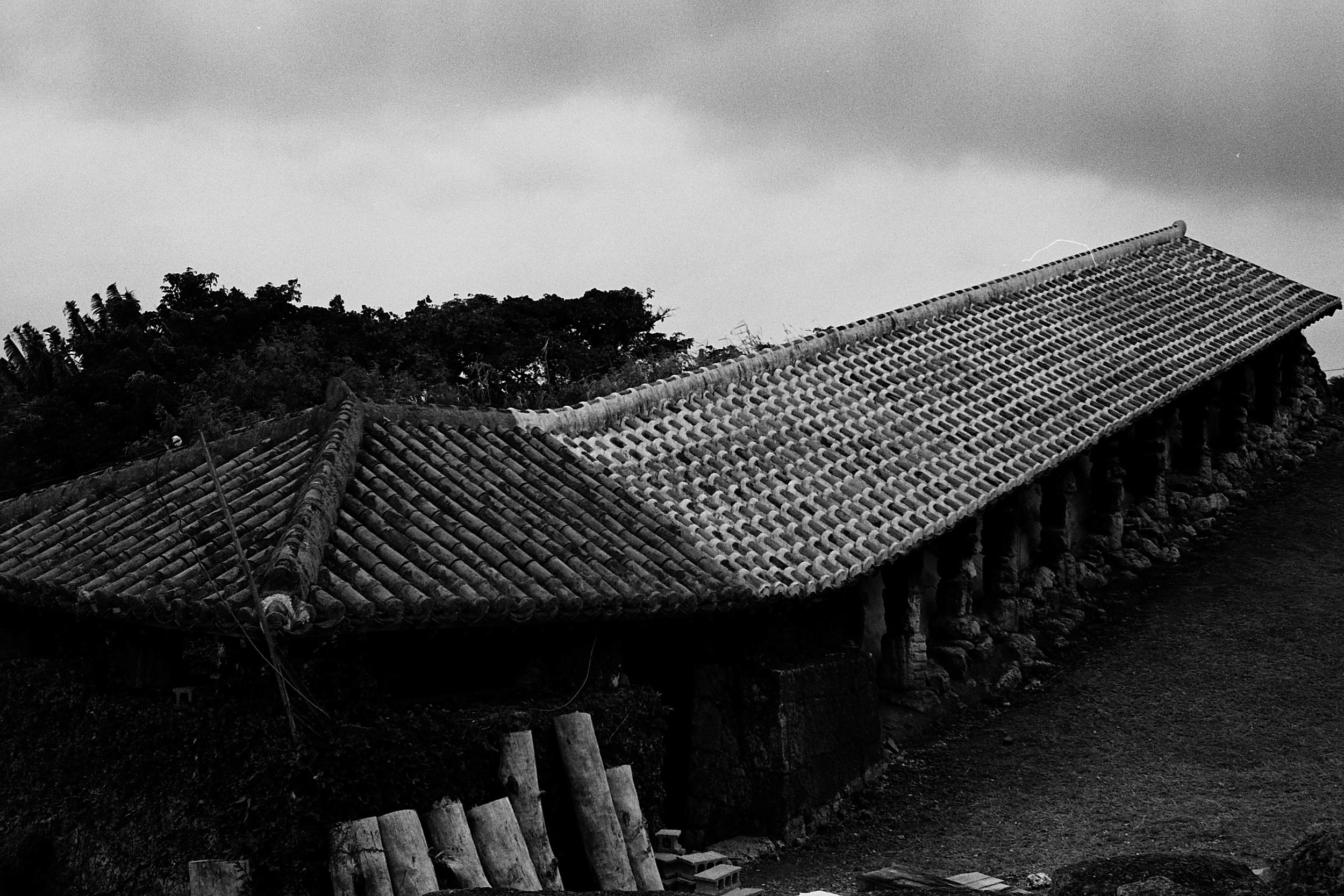 Leica M6 Summicron/35mm  This long slanting dwelling is where the pottery is fired