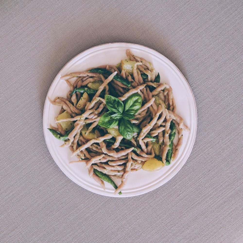 Trofie avvantaggiate (pesto, potato, green beans)