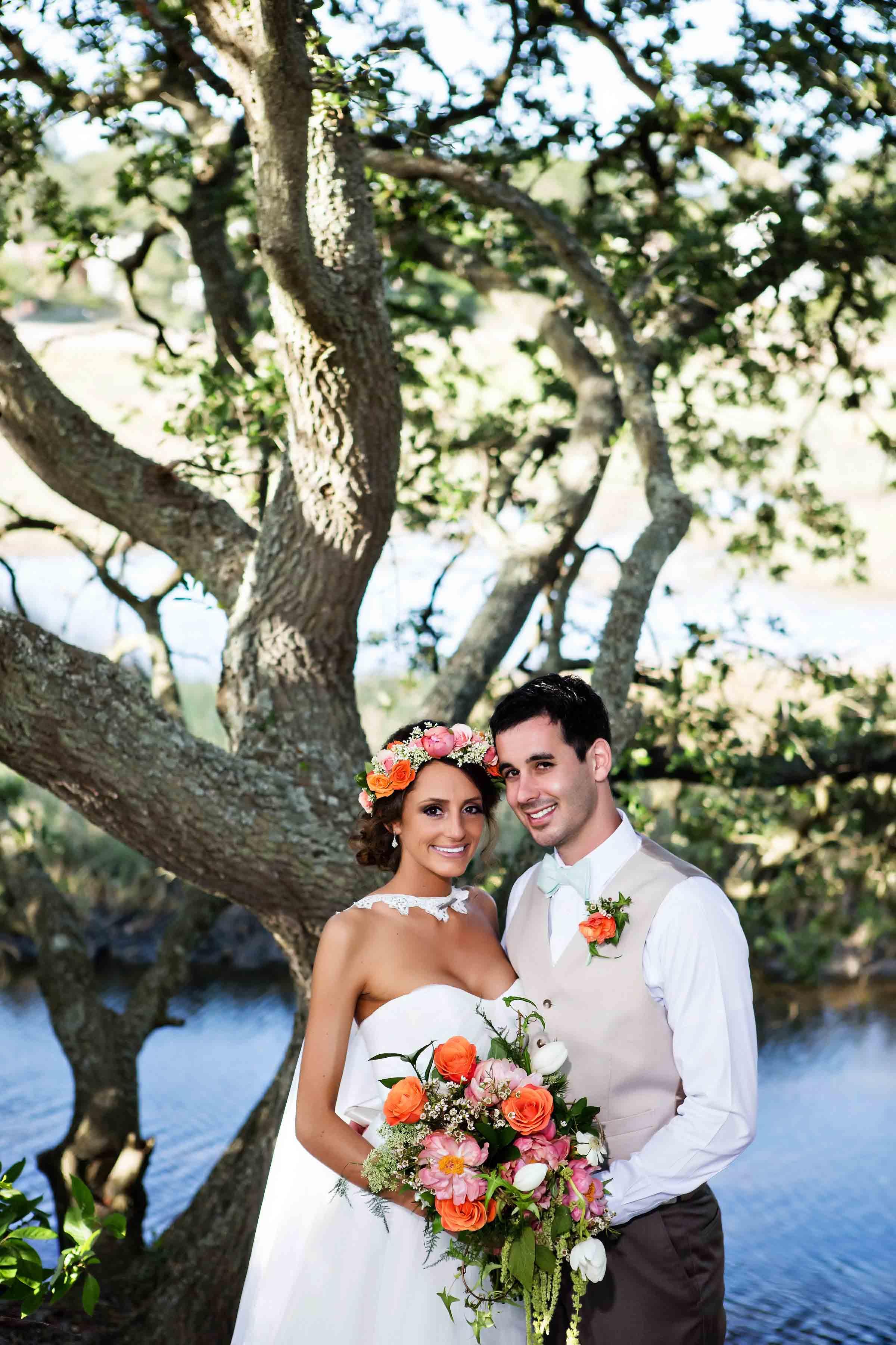 Marina Shores Wedding Photograph - Virginia Beach - Tess And Dave -by John Cachero for Ross Costanza Photography