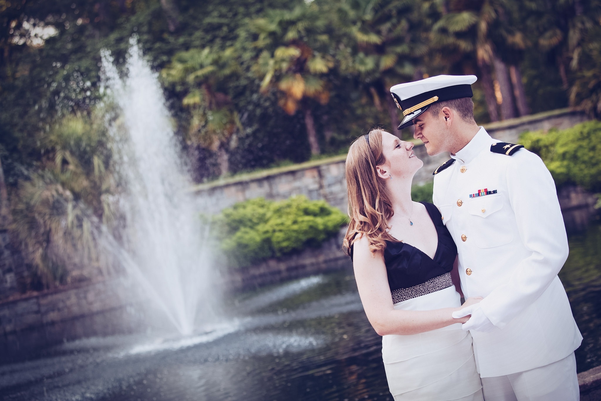 norfolk-botanical-garden-engagement-photograph-cecelia-ian.jpg