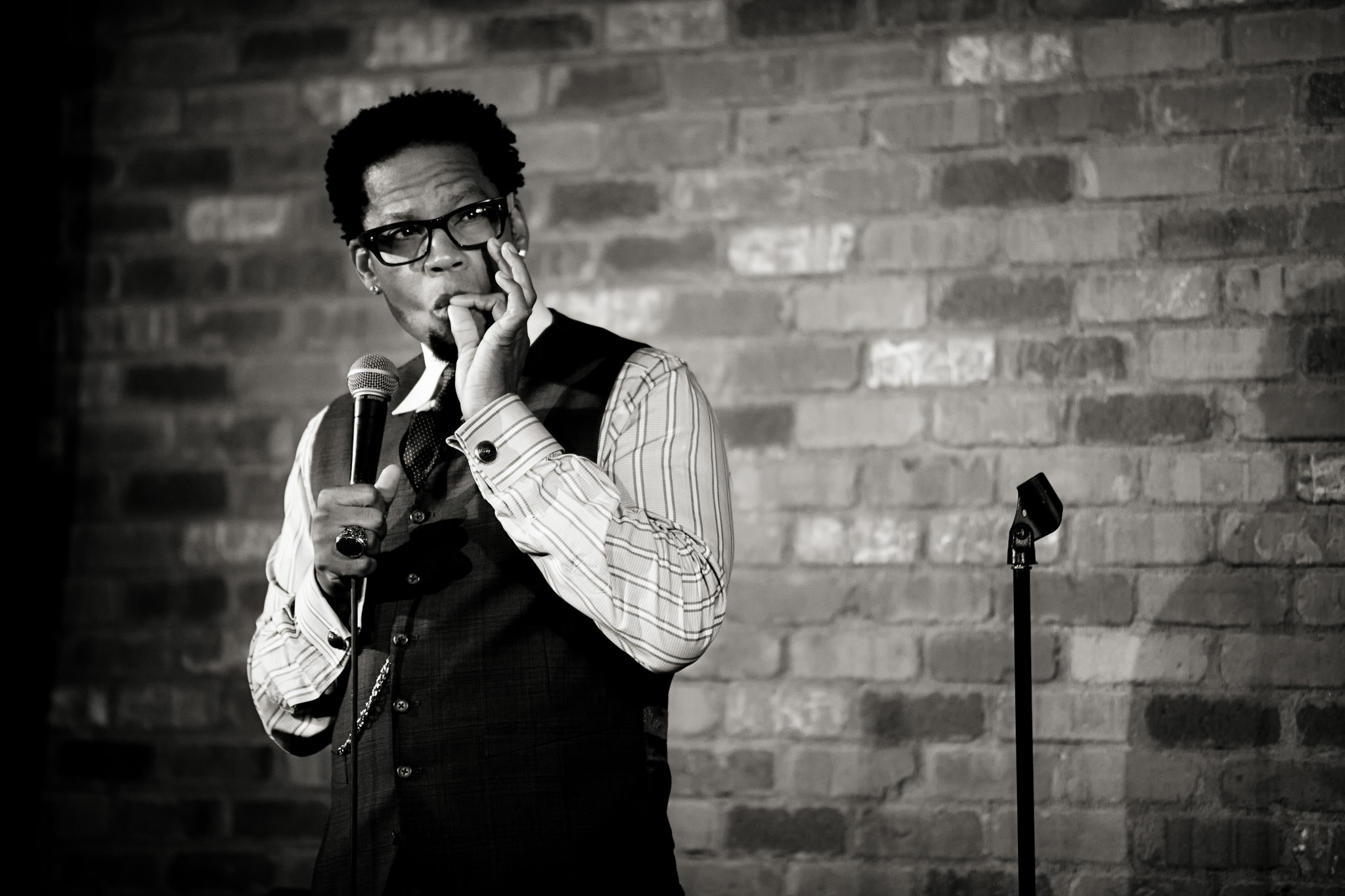 virginia-beach-funny-bone-comedy-set-dl-hughley.jpg