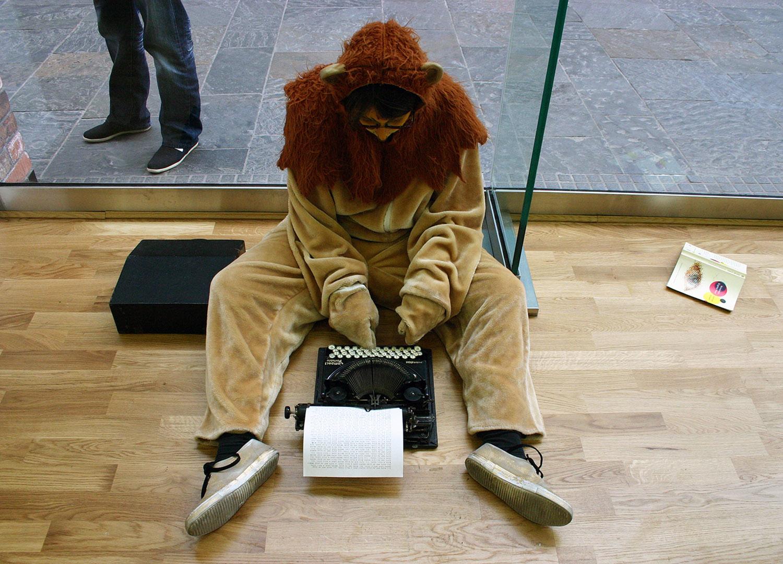 lion_typing_down_2010_1500px.jpg