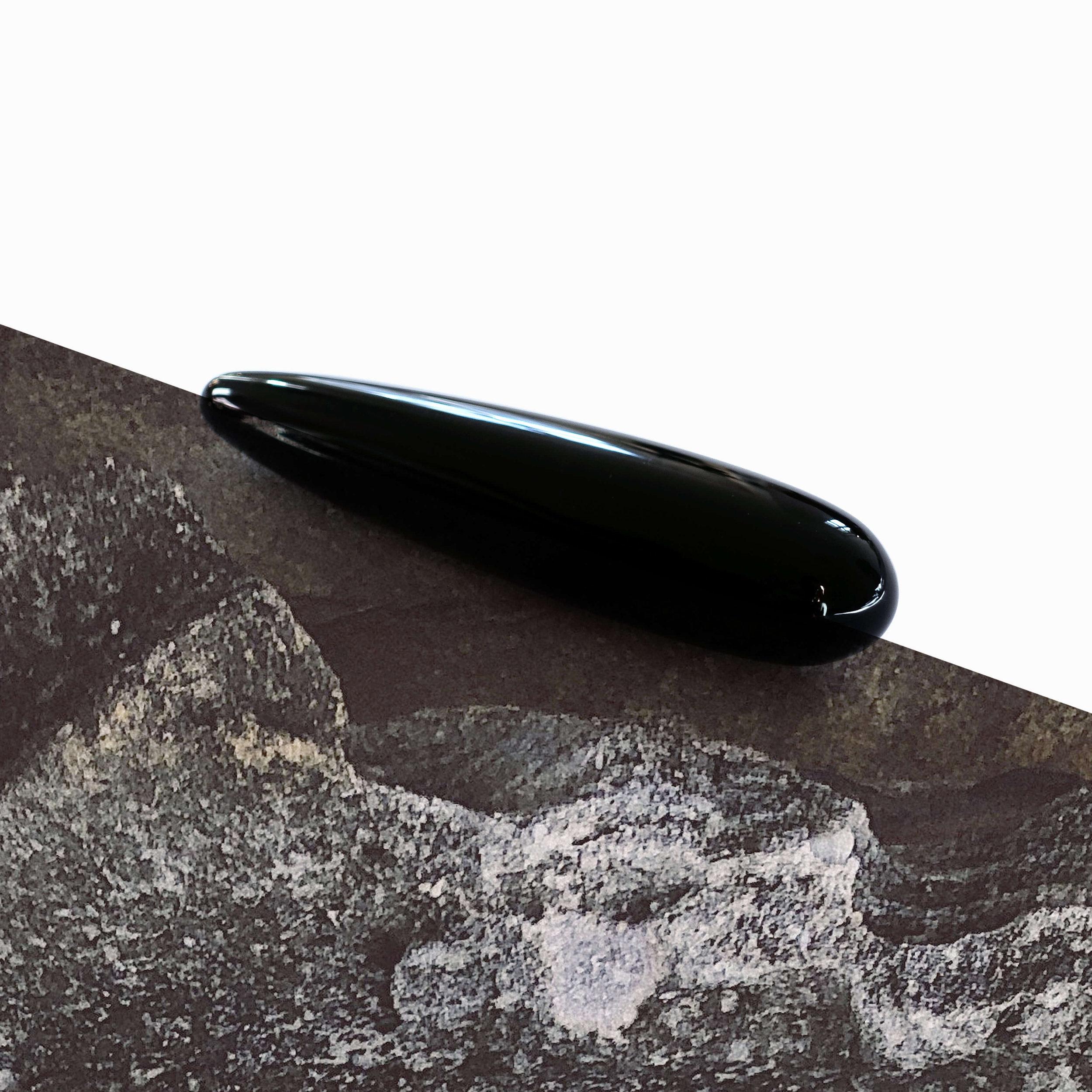 faye-obsidian-kristalldildo-4cm-square.jpg