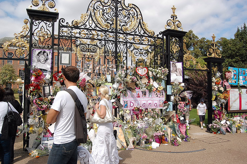 Floral tributes left in front of Kensington Palace, the London residence of Diana, Princess of Wales, following her death.
