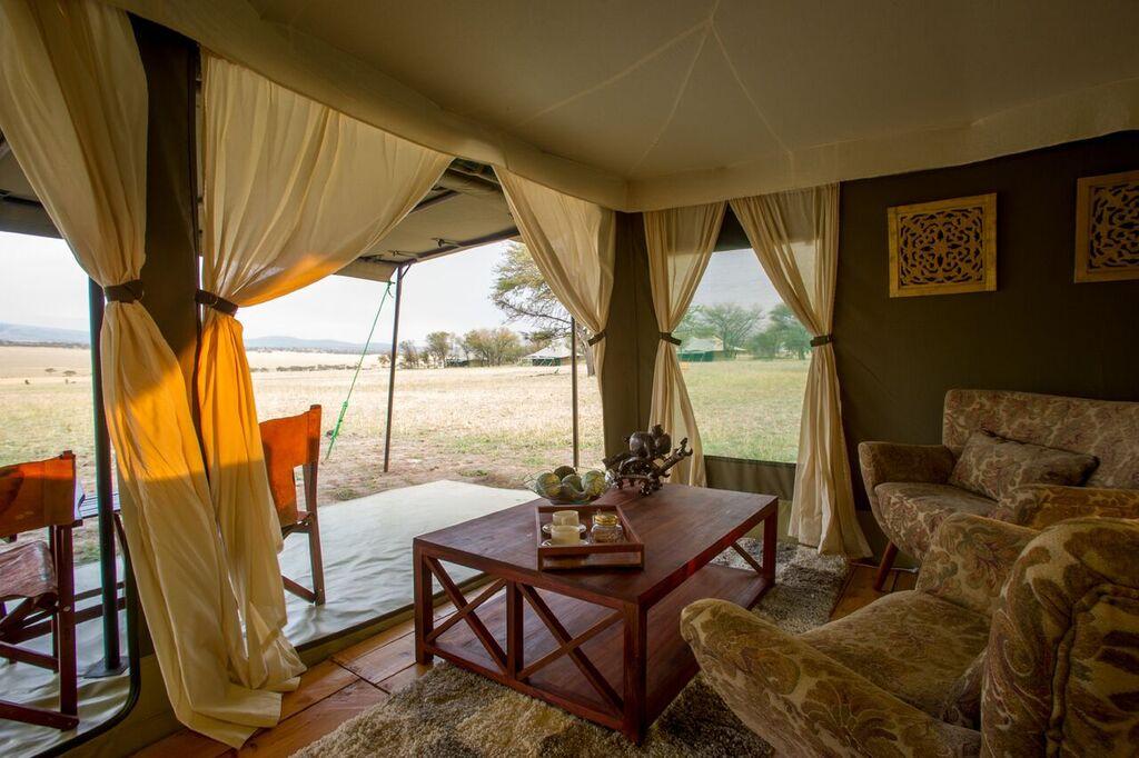 africa safari northern serengeti 14.jpg