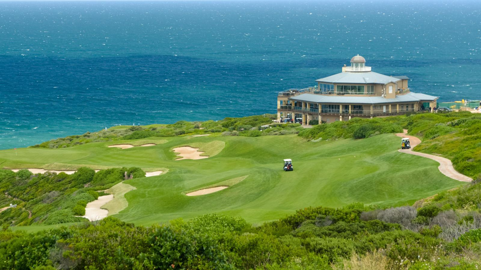 Day 5: GOLF AT PINNACLE POINT - This 18 hole championship golf course was designed by the well-known South African golf course architect Peter Matkovich who opened the course together with Top Irish Tour Golf Professional Darren Clarke in November 2006.