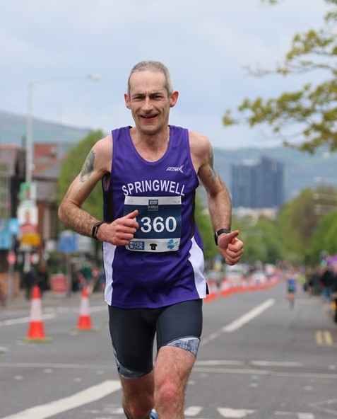 Chris Denton at the Belfast City Marathon (photo Robbie Marsh)