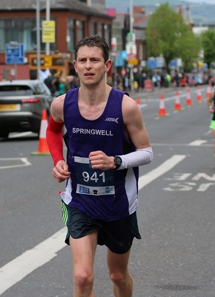 Jason Scott at the Belfast City Marathon (photo Robbie Marsh)