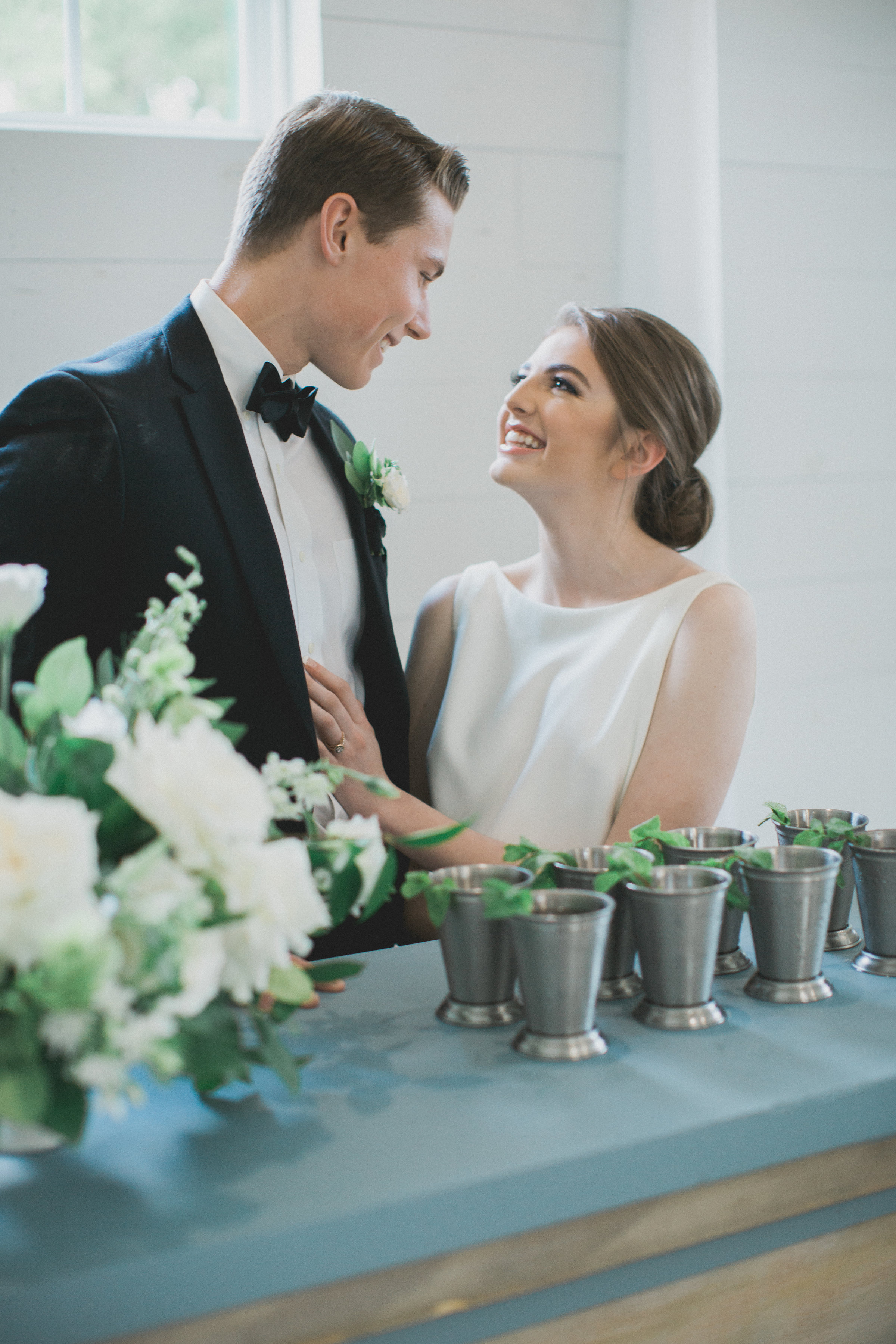 Wedding Signature Cocktail Mint Juleps | Southern Summer White Barn Wedding in Dallas, TX