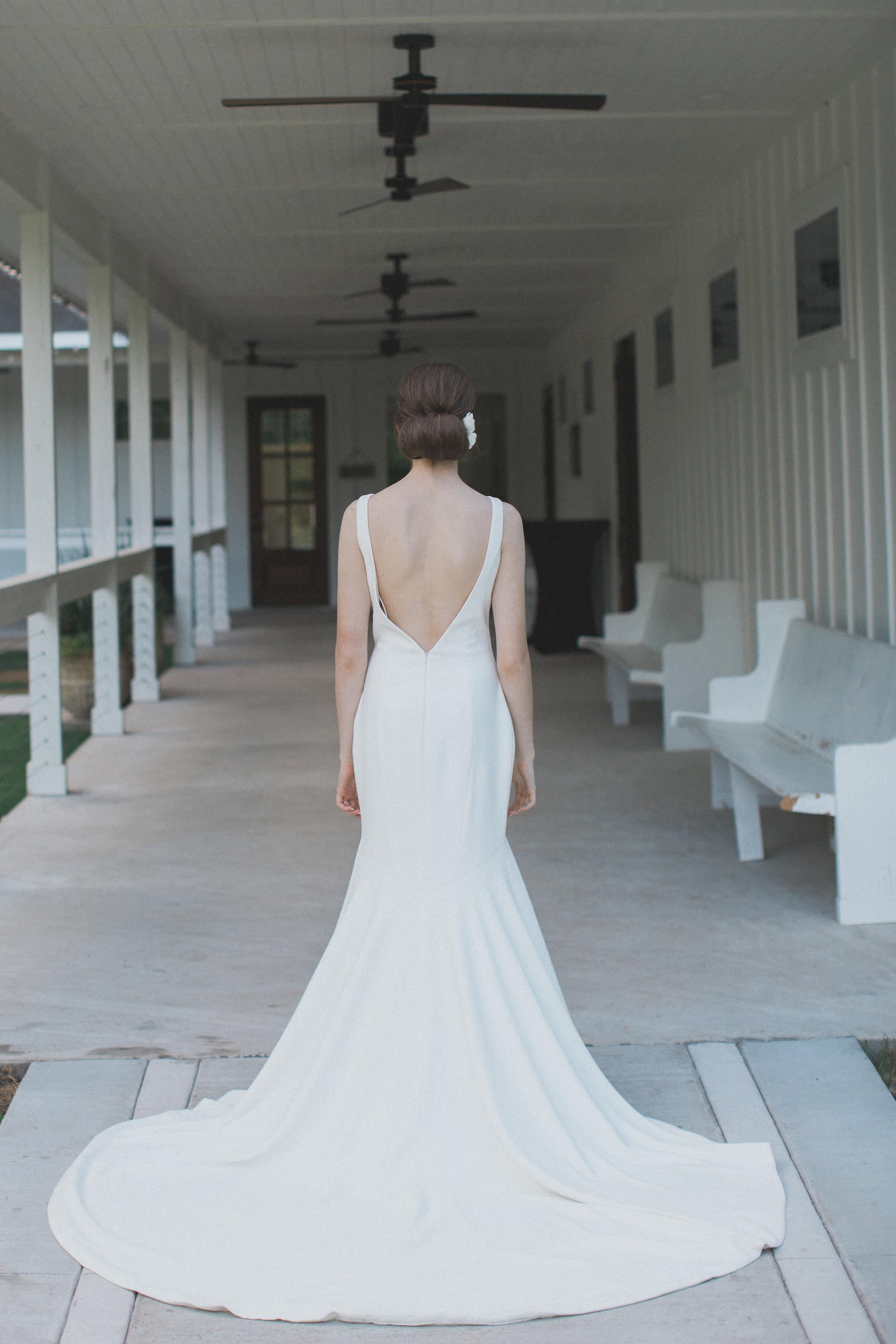 Simple Elegant Wedding Gown Inspiration | Southern Summer White Barn Wedding in Dallas, TX