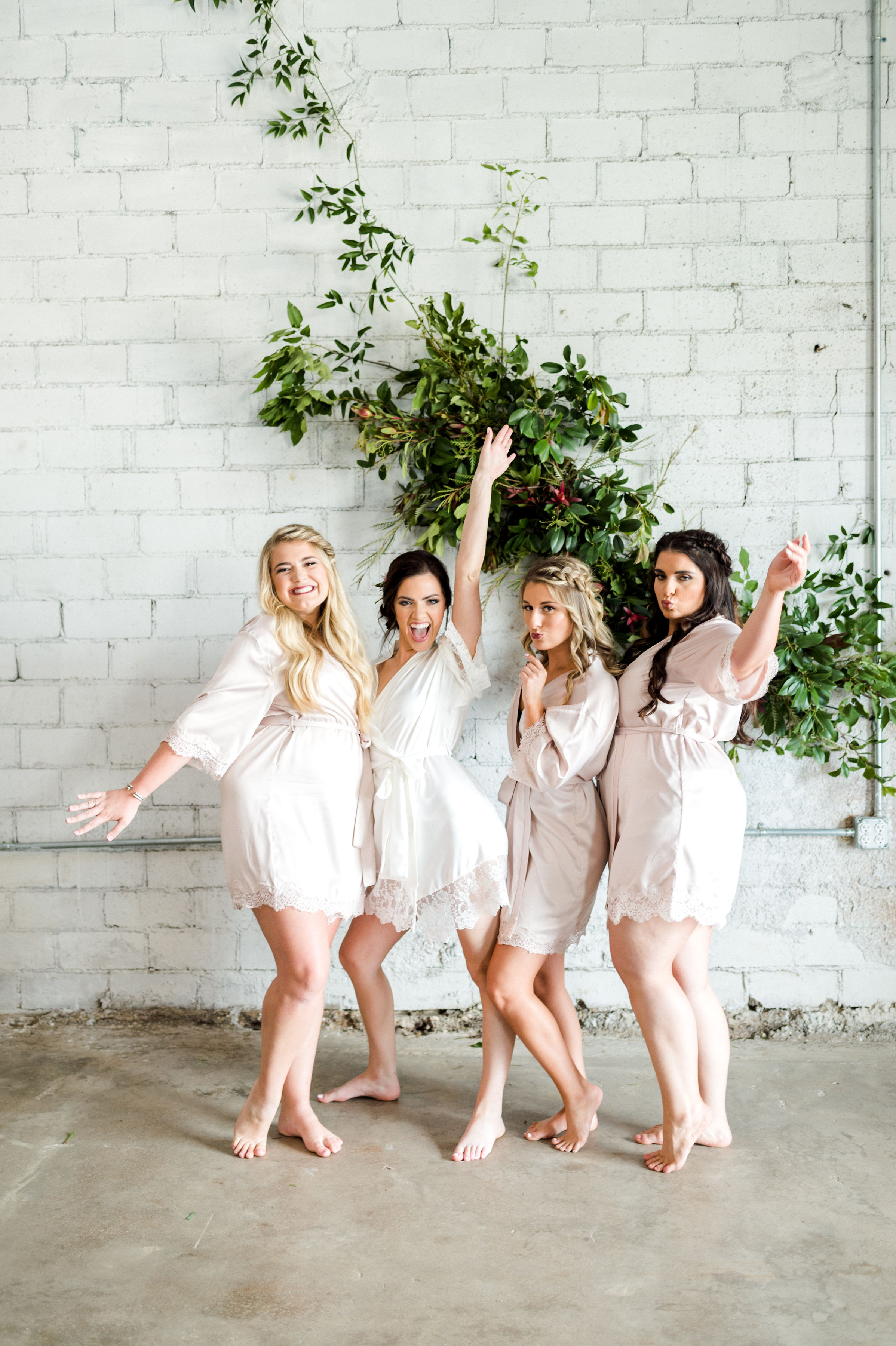 Bridesmaids Matching Robes | Fall Eclectic Industrial Wedding