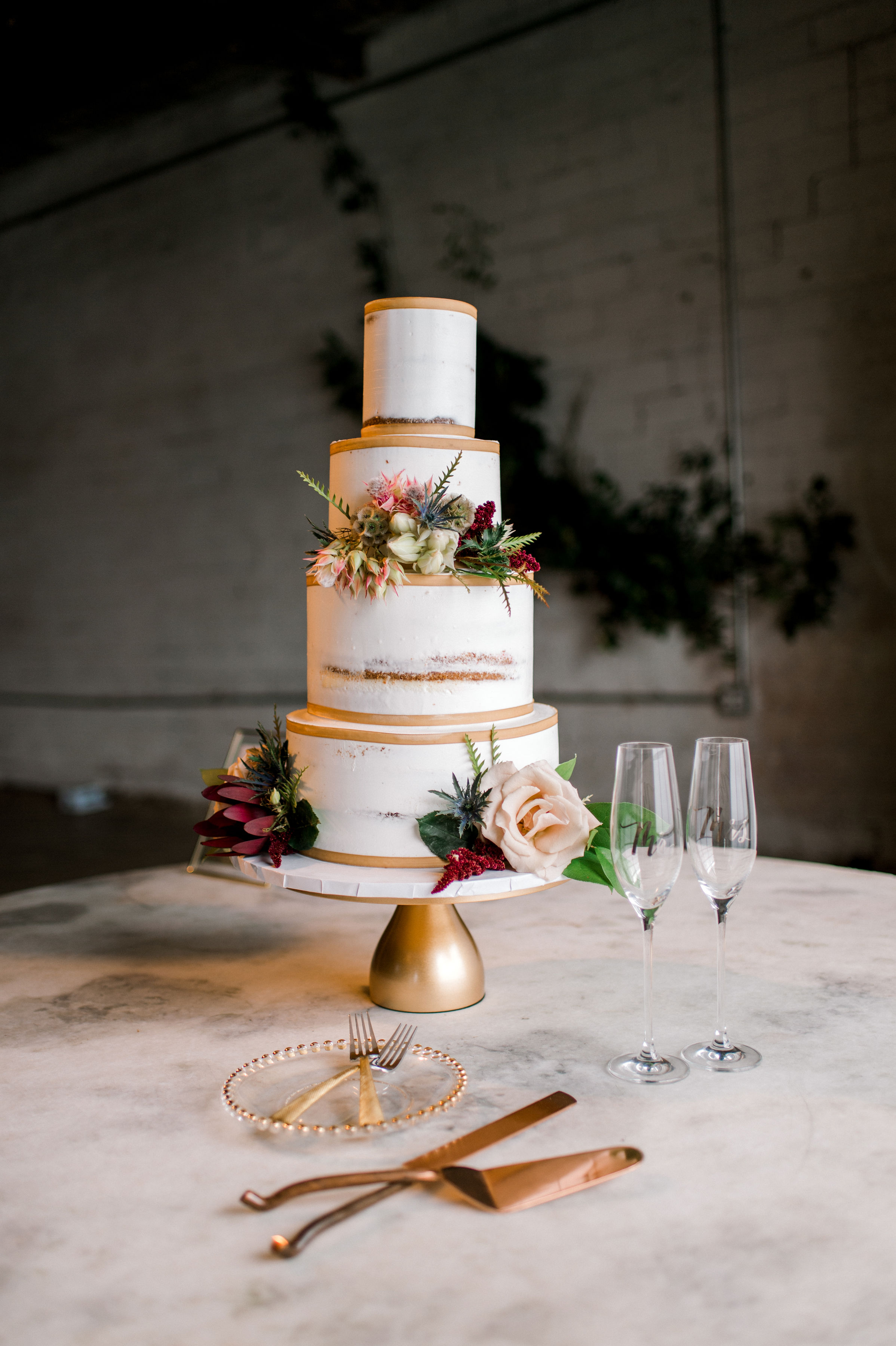 Modern White and Gold Wedding Cake | Modern Industrial Wedding Reception in Downtown Fort Worth