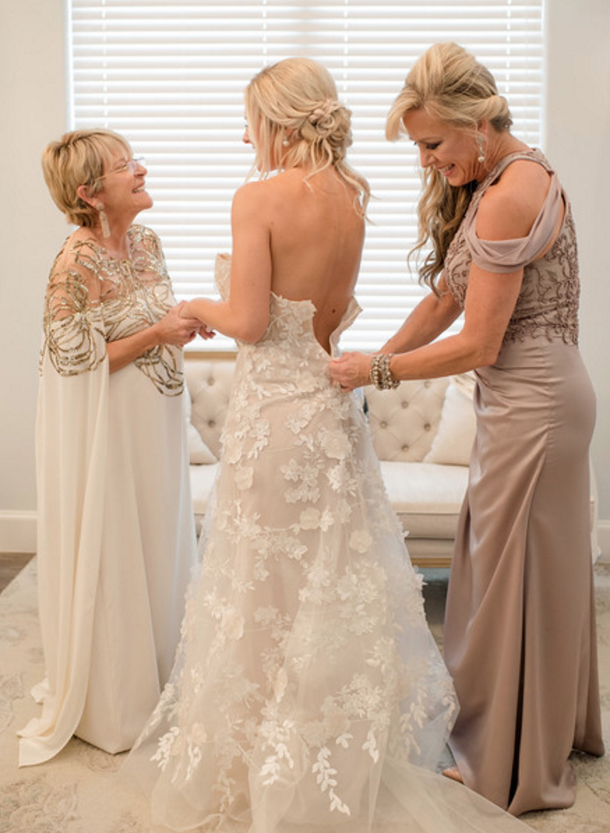 Spring Texas Vineyard Wedding | Bridal Gown Inspiration