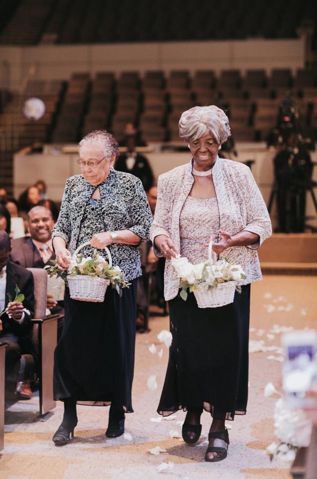 Cutest Flower Girl Grandmothers | Dallas Wedding Planning