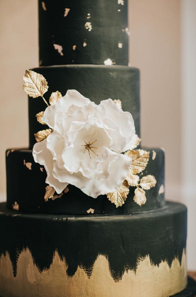 Custom Black Modern Wedding Cake | Downtown Dallas Wedding