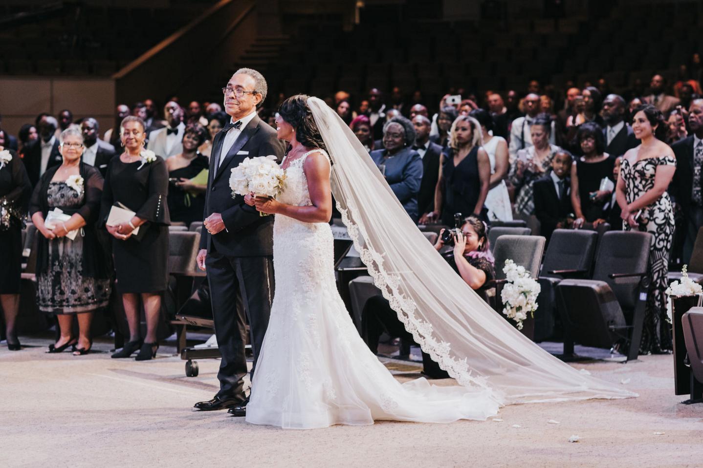 Modern Dallas Wedding Ceremony | Dallas Wedding Planning