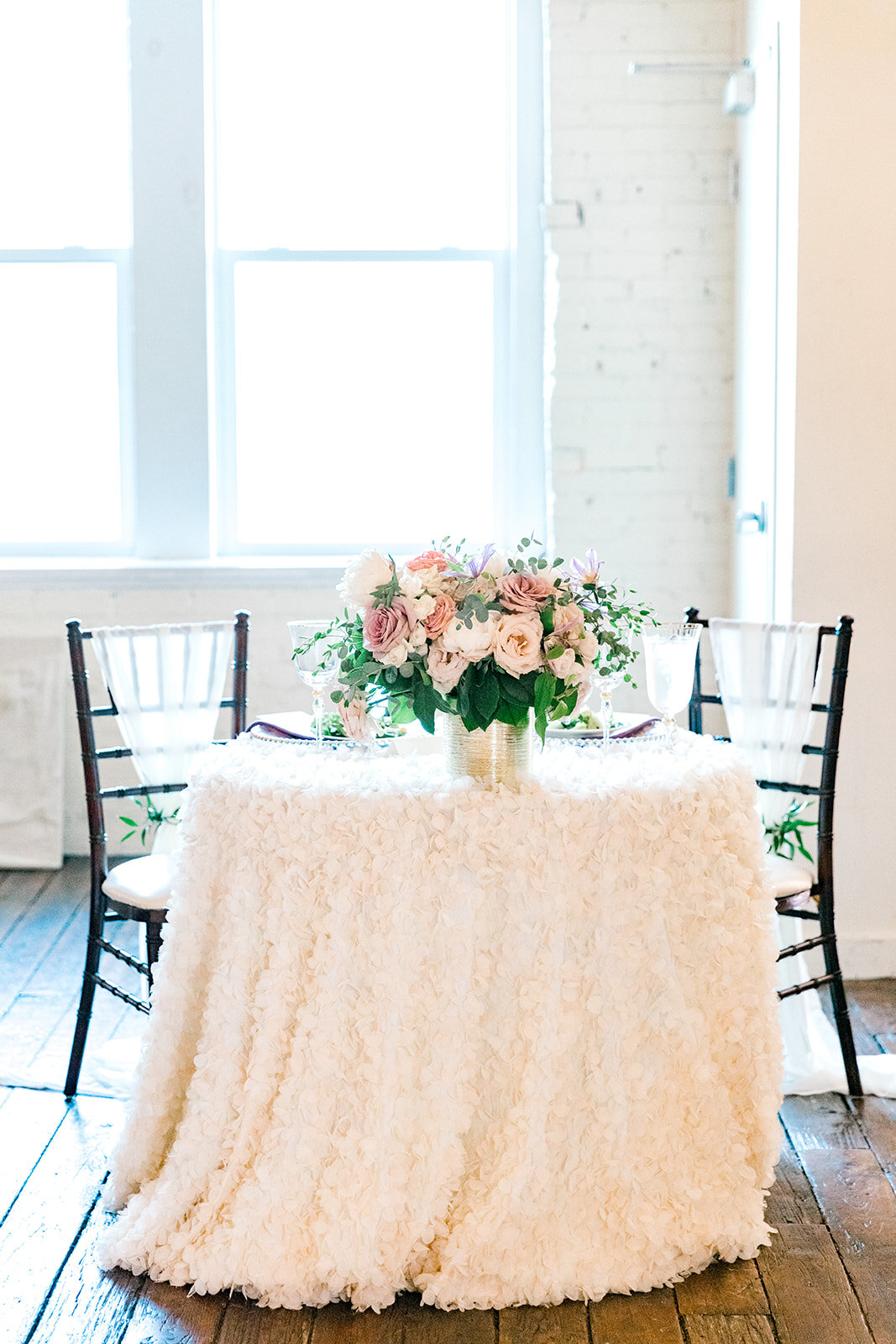 romantic wedding sweetheart table design.jpg