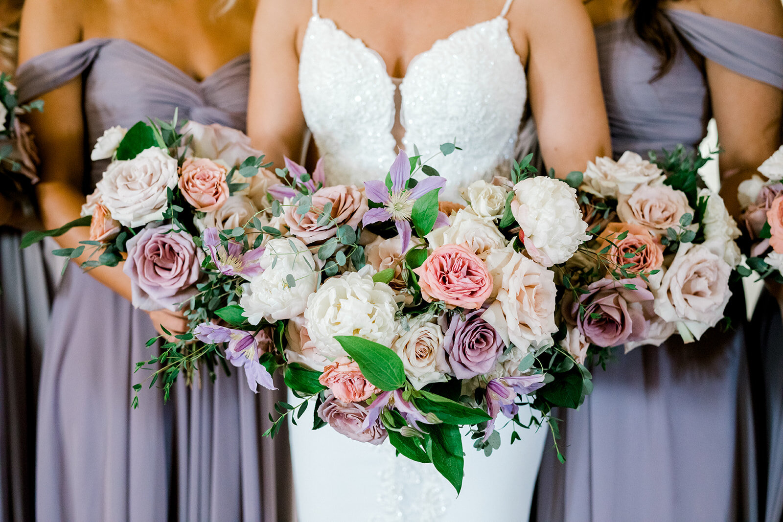 bridesmaisd bouquets.jpg