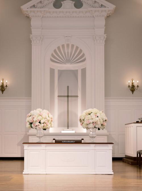 wedding+chapel+flowers.png