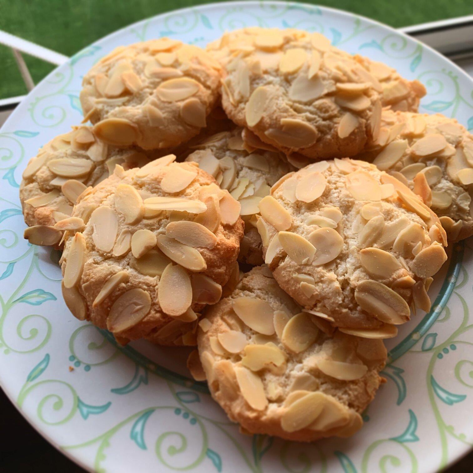 Mom's Almond Cookies